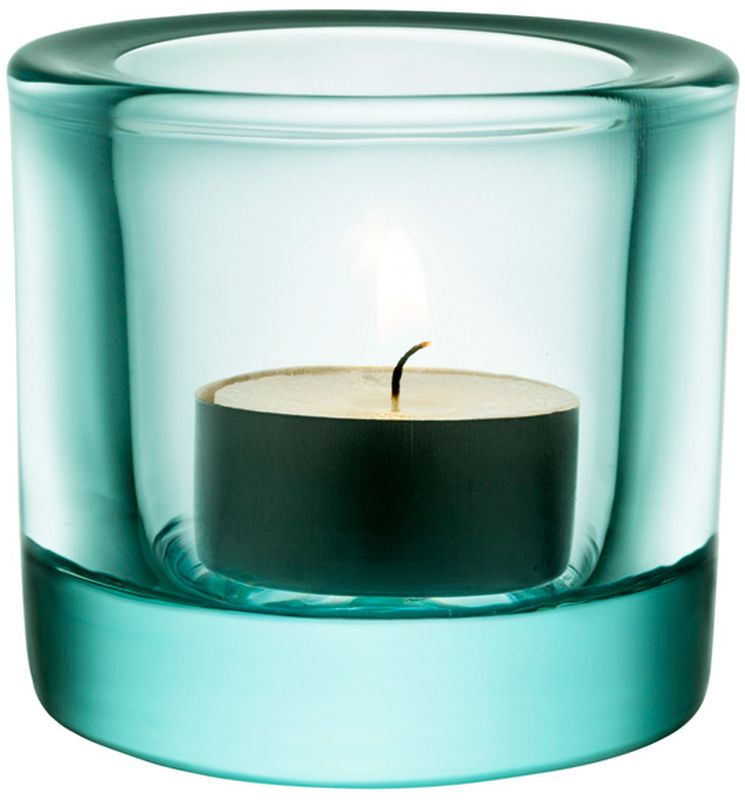 Подсвечник Iittala Kivi, цвет: морская волна, диаметр 6 см1007368Для создания этих драгоценных хранителей света требуется отличное знание о стекле. Цвет и толщина стекла обогащает и рассеивает свет свечи. Широкая цветовая гамма позволяет создать коктейль из различных цветов, создавая нужное настроение.