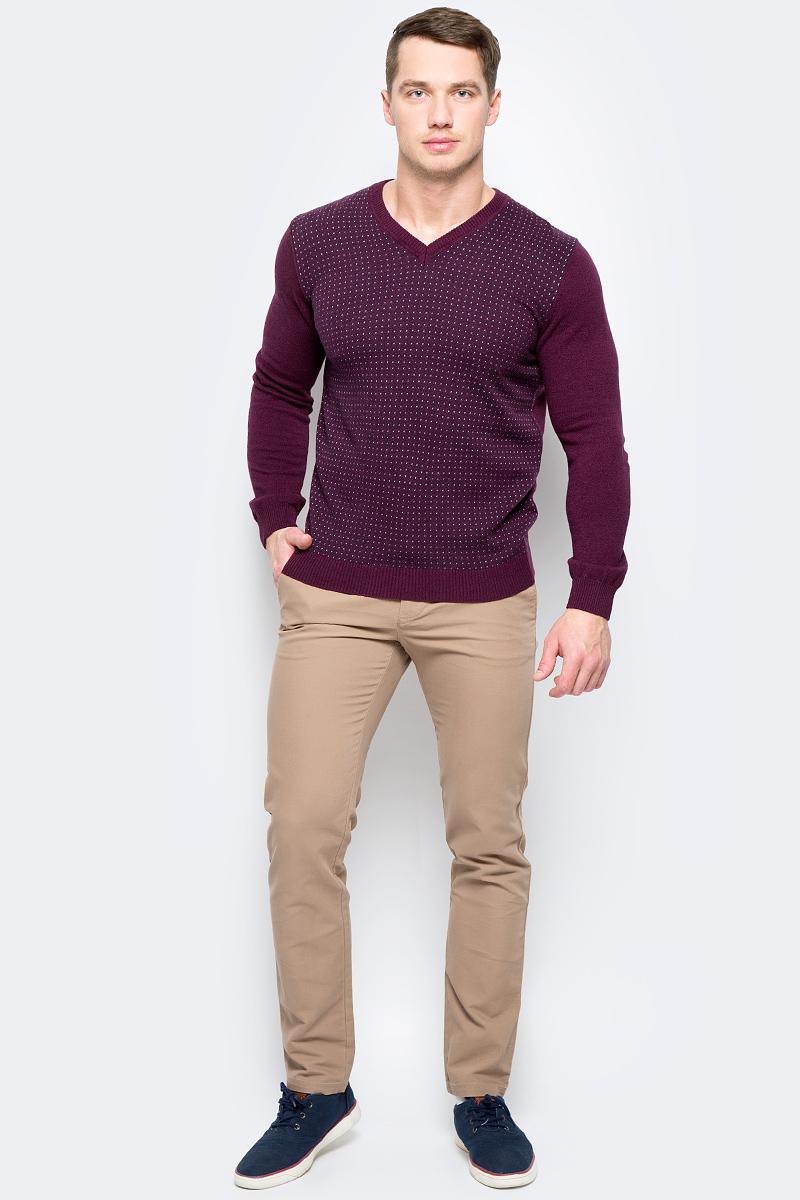 Пуловер мужской United Colors of Benetton, цвет: бордовый. 1132K4345_904. Размер XL (52/54)1132K4345_904Пуловер мужской United Colors of Benetton выполнен из качественного материала. Модель с V-образным вырезом горловины и длинными рукавами.