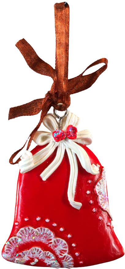 Украшение для интерьера новогоднее Erich Krause Колокольчик узорный, 6 см44209Сочетание красного и белого цветов - одно из самых популярных среди новогодний украшений. Тонко прорисованный орнамент колокольчика и атласная ленточка - отличительные особенности этого изделия. Новогодние украшения всегда несут в себе волшебство и красоту праздника. Создайте в своем доме атмосферу тепла, веселья и радости, украшая его всей семьей.