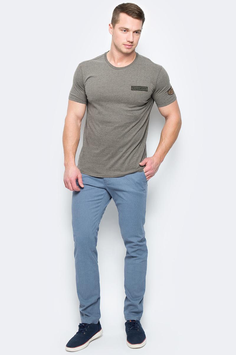 Брюки мужские United Colors of Benetton, цвет: синий. 4KE955BM8_902. Размер 444KE955BM8_902Стильные мужские брюки United Colors of Benetton выполнены из качественного материала. Брюки застегиваются на комбинированную застежку. Эти модные и в тоже время комфортные брюки послужат отличным дополнением к вашему гардеробу.
