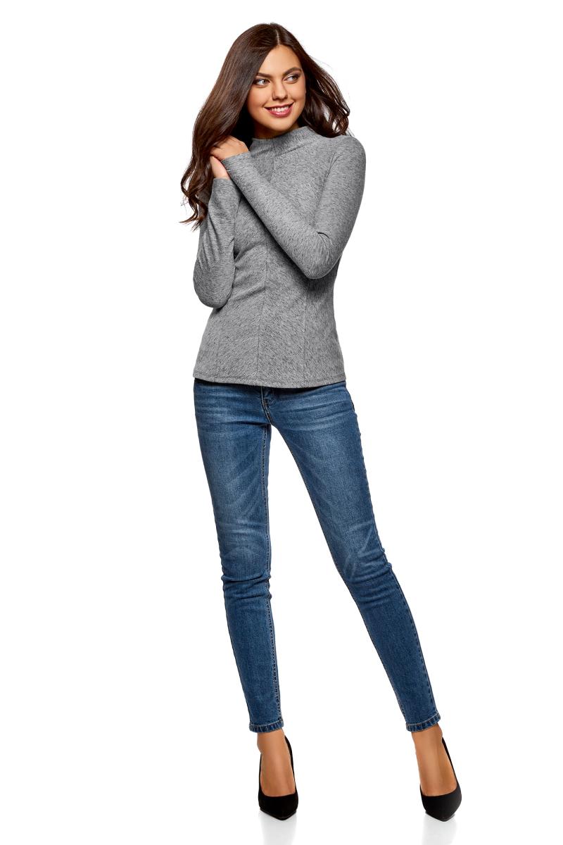 Джемпер женский oodji Collection, цвет: серый. 24811001/47980/2319O. Размер L (48)24811001/47980/2319OСтильный джемпер, выполненный из комбинированного материала, отлично дополнит ваш образ. Модель с длинными рукавами и цельнокроеным воротником-стойкой. На спинке модель дополнена застежкой-молнией.