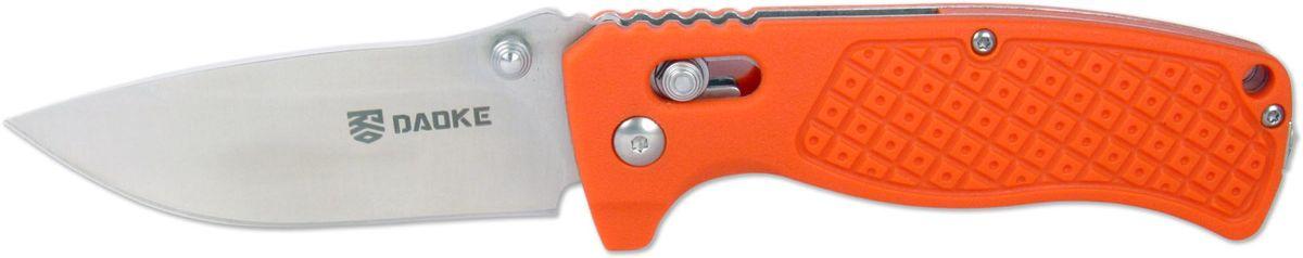 Нож складной Daoke, цвет: оранжевый, длина клинка 8,5 см. D504oD504oНож Daoke D504o - складной нож EDC серии. Его основные преимущества это компактность, а так же универсальность при ношении и использовании. Широкий клинок, выполненный из прочной стали марки 440С (твердость 59 - 60 HRC), с легкостью нарежет продукты или настрогает колышки для палатки. Накладки рукояти оранжевого цвета выполнены из сверхнадежного и современного материала G10. Продуманная конструкция замка-фиксатора axis lock предотвратит случайное закрытие. В силу специфики конструкции рычаг, на который действует сила, очень маленький, что обеспечивает отменную прочность замка.