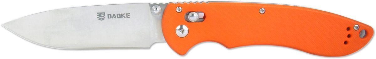 Нож складной Daoke, цвет: оранжевый, длина клинка 8,5 см. D612oD612oУниверсальный складной нож Daoke отлично подойдет как для обитателей городских джунглей, так и для туристов и любителей активного отдыха. Нож помимо ухватистой рукояти, выполненной из G10, с подпальцевой выемкой обладает формой клинка наиболее удобной для реза. Надежный замок Axis Lock предотвратит случайное закрытие. Люфты отсутствуют, ход клинка хороший, замок работает четко. Все сделано так, как и должно быть у качественного ножа.
