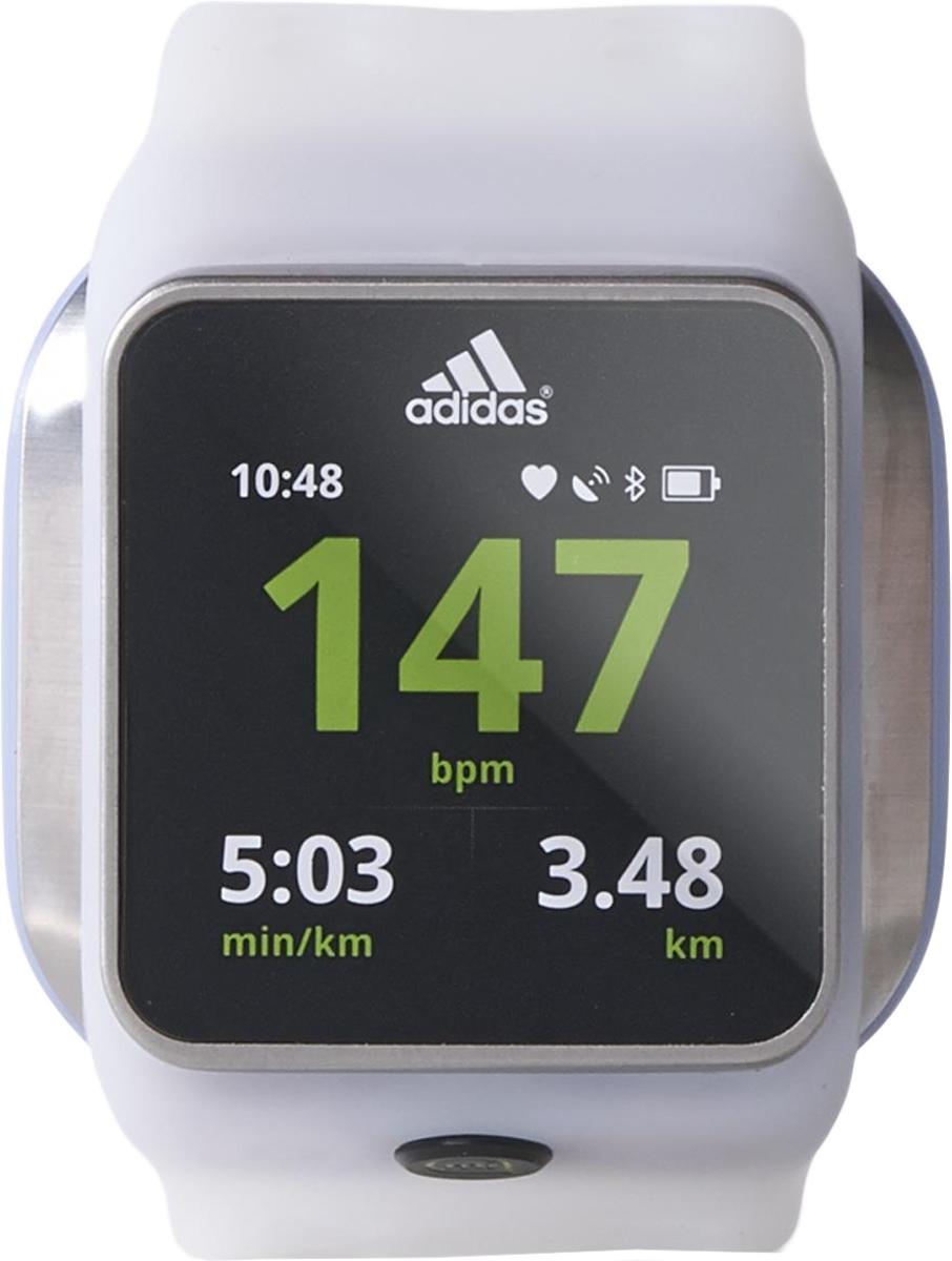 Часы спортивные adidas Smart Run, цвет: белыйAC5983Спортивные часы Adidas Smart Run - универсальное умное устройство, соединившее в своем компактном корпусе огромное количество разнообразных функций - акселерометр, пульсометр, GPS навигатор, Wi-Fi, Bluetooth, а также персональный дневник тренировок и много чего другого не менее полезного для продуктивной тренировки, преимущественно для бега. Также стоит отметить, что спортивные часы для бега невероятно просты в эксплуатации, они имеют возможность беспроводной синхронизации полученных результатов, оснащены большим цветным сенсорным дисплеем и управляются при помощи всего лишь одной кнопки. Дополнительно модель укомплектована специальной зарядной док-станцией USB.Дополнительные характеристики: Материал: силиконовый ремешок, оправа, пряжка и декоративные детали из нержавеющей стали. Дисплей 1,45 полноцветный трансфлективный TFT LCD. Тач-скрин с разрешением 184 x 184 пикселей. Стекло Gorilla Glass. Аккумулятор: 410 мА/ч литий-ионный, максимальное время зарядки 4 часа. Время работы батареи: режим тренировки с включенным плеером 4 часа, режим тренировки с выключенным плеером 8 часов.Как начать бегать: советы тренера. Статья OZON Гид