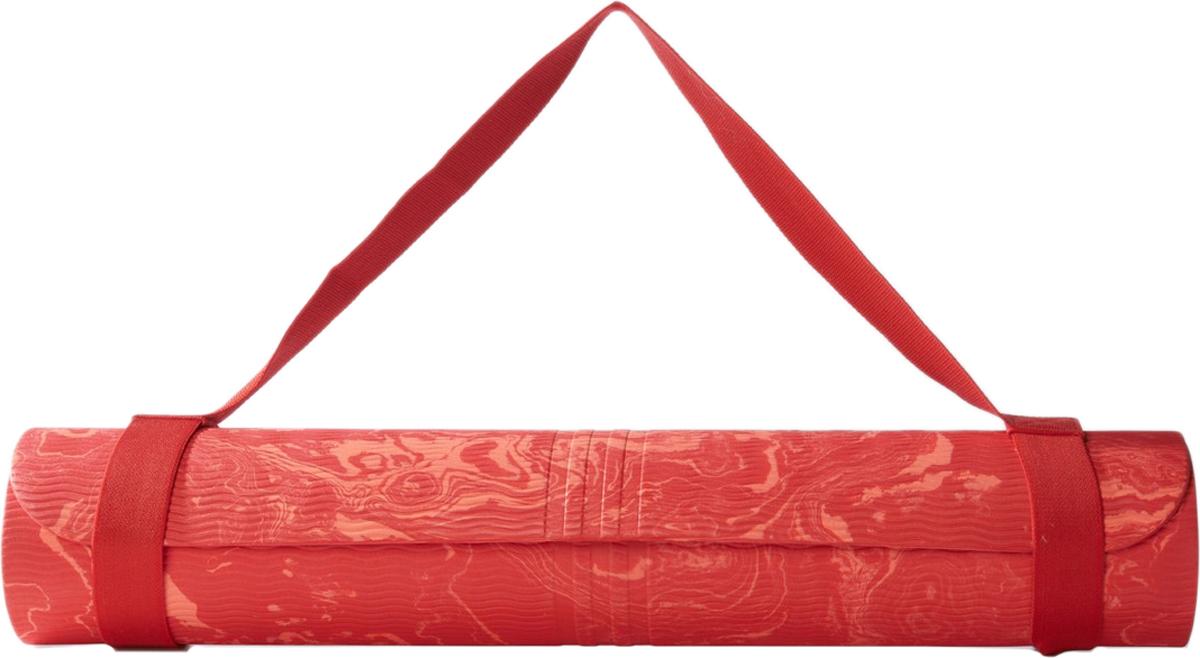 Мат для йоги Adidas Yoga Mat Camo, цвет: красный, 75 x 61 смAY4370Коврик для йоги Adidas YOGA MAT CAMO для любителей расслабиться и помедитировать. Коврик имеет противоскользящий рельеф с большим логотипом и тремя полосками. Удобный ремешок для переноски есть в комплекте. Коврик сделан из термопластичной резины, поэтому он долговечный и прослужит вам долго. Этот коврик поможет вам создать тело вашей мечты. Размер: 75 см x 61 смМатериал: 60% термопластичная резина / 20% ЭВА / 20% полиолефин