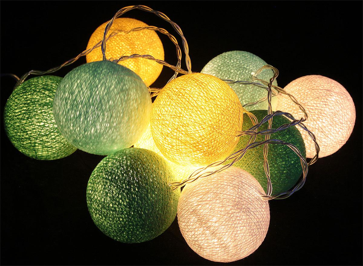 Гирлянда электрическая Гирляндус Примавера, из ниток, LED, от батареек, 10 ламп, 1,5 м4670025840743Новогодняя электрическая гирлянда Гирляндус Примавера ручной работы украсит интерьер вашего дома или офиса в преддверии Нового года. Каждый шарик сделан вручную из ниток и клея, светится приятным мягким светом. Шарики хрупкие, но даже если вы их помнете, их всегда можно выправить. Инструкция прилагается.Откройте для себя удивительный мир сказок и грез. Почувствуйте волшебные минуты ожидания праздника, создайте новогоднее настроение вашим дорогим и близким.Работает от 2 батареек типа АА (входят в комплект).Количество ламп (шариков): 10 шт.Диаметр шарика: 6 см.