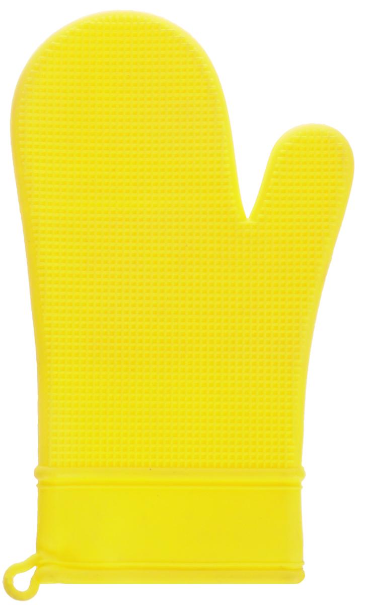 Рукавица Marvel, цвет: желтый4435Рукавица Marvel выполнена из цветного силикона, который выдерживает температуру от -40°С до +240°С. Изделие приятное на ощупь, невероятно гибкое и прочное. Рукавица имеет рельефную поверхность, что обеспечивает еще более надежный хват. С помощью такой рукавицы ваши руки будут защищены от ожогов, когда вы будете ставить в печь или доставать из нее выпечку. Размеры: 30 х 16 х 1,5 см.