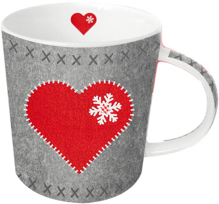 Кружка Paperproducts Design Felt Heart, 350 мл603175Яркая большая кружка объемом 350 мл будет прекрасным рождественским подарком для друзей, а также родных и близких людей. Это не только красивый, но и функциональный подарок, который не оставит равнодушным даже самого взыскательного любителя ароматного чая.Кружка выполнена из высококачественного фарфора, благодаря чему ее можно использовать в качестве посуды для микроволновой печи, а также она прекрасно подходит для посудомоечной машины. Кружка предлагается в наборе с красивой подарочной коробкой идентичного оформления.