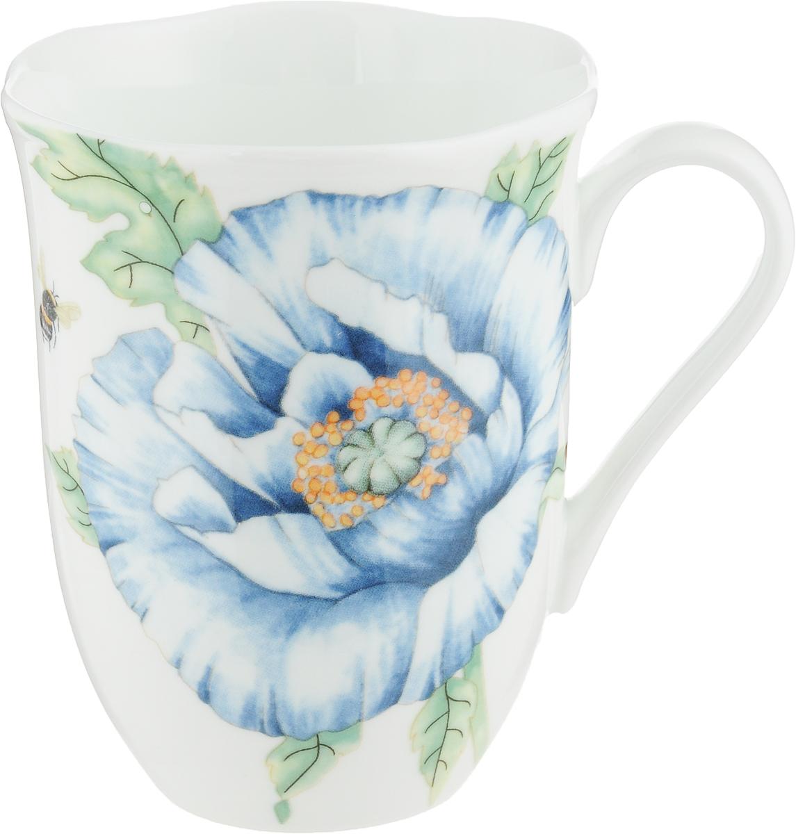 Кружка Royal Aurel Шарм, цвет: белый, голубой, 350 мл1152Фарфор Royal Aurel отличается исключительной белизной, что объясняется уникальными компонентами и традиционной технологией, по которой он был изготовлен. Белая глина из провинции Фуцзянь и традиционные рецепты китайских мастеров создают неповторимую композицию. Дизайн коллекций выполнен в соответствии с актуальными европейскими тенденциями. Материал: костяной фарфор.