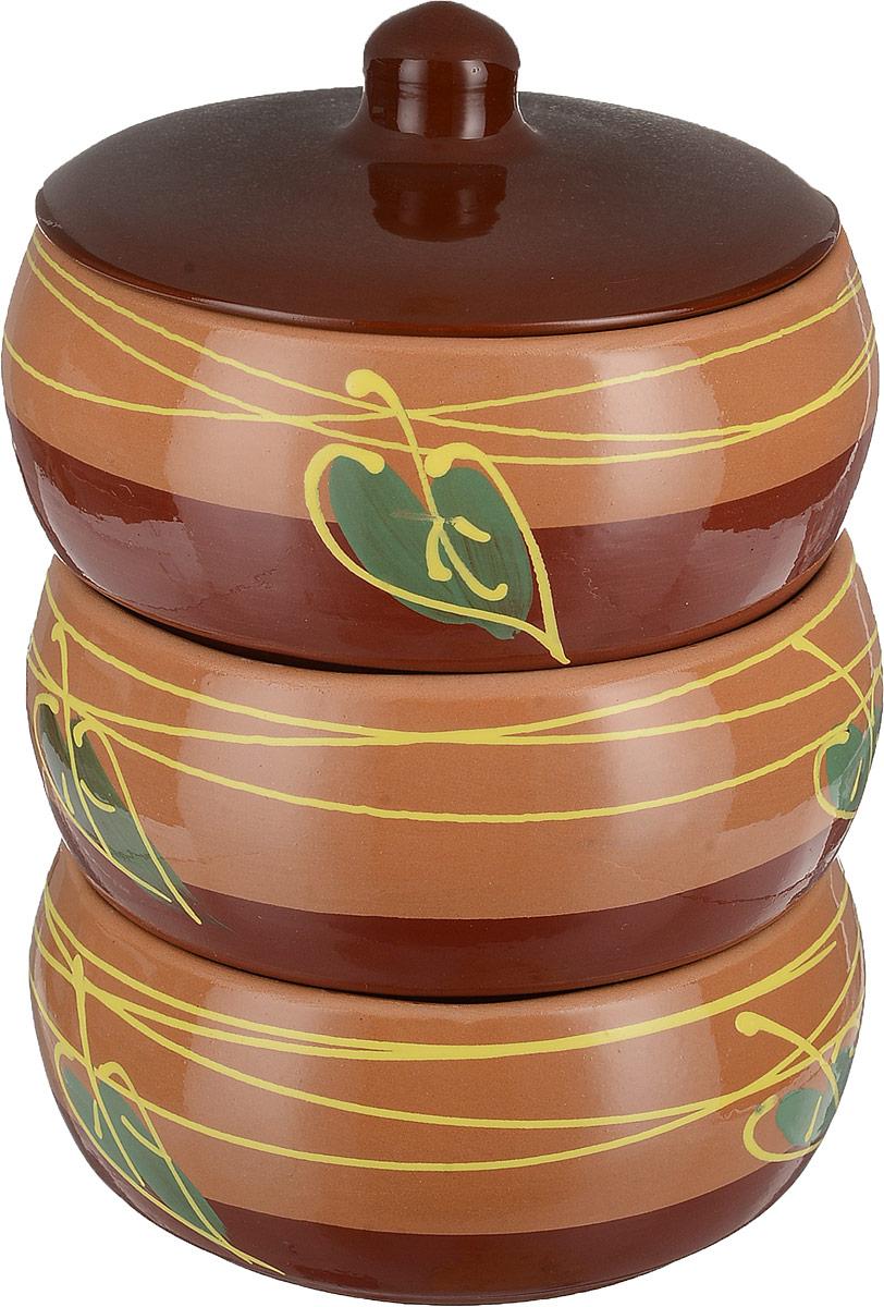Набор столовой посуды Борисовская керамика Русский, 3 предмета, 900 млОБЧ00000927Набор столовой посуды для холодца Борисовская керамика Русский состоит из трех мисок, декорированных узором, и крышки. Изделия выполнены извысококачественной глазурованной керамики.Внутреннее и внешнее покрытие изделий изготовлено изэкологически чистых природных материалов.Такой набор станет отличным подарком и обязательнопригодится в любом хозяйстве.