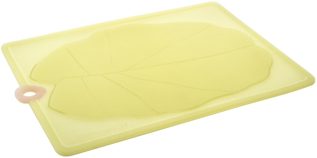 Разделочная доска Charles Viancin Lillypad, 38 х 28 см160144Разделочная доска предназначена для еждневного использования. Она легкая, не скользящая, хорошо моется, не впитывает запахи, не окрашивается от сока фруктов и овощей, не тупит ножи. Можно мыть в посудомоечной машине. Выдерживает температуру от -40 до +220 градусов.