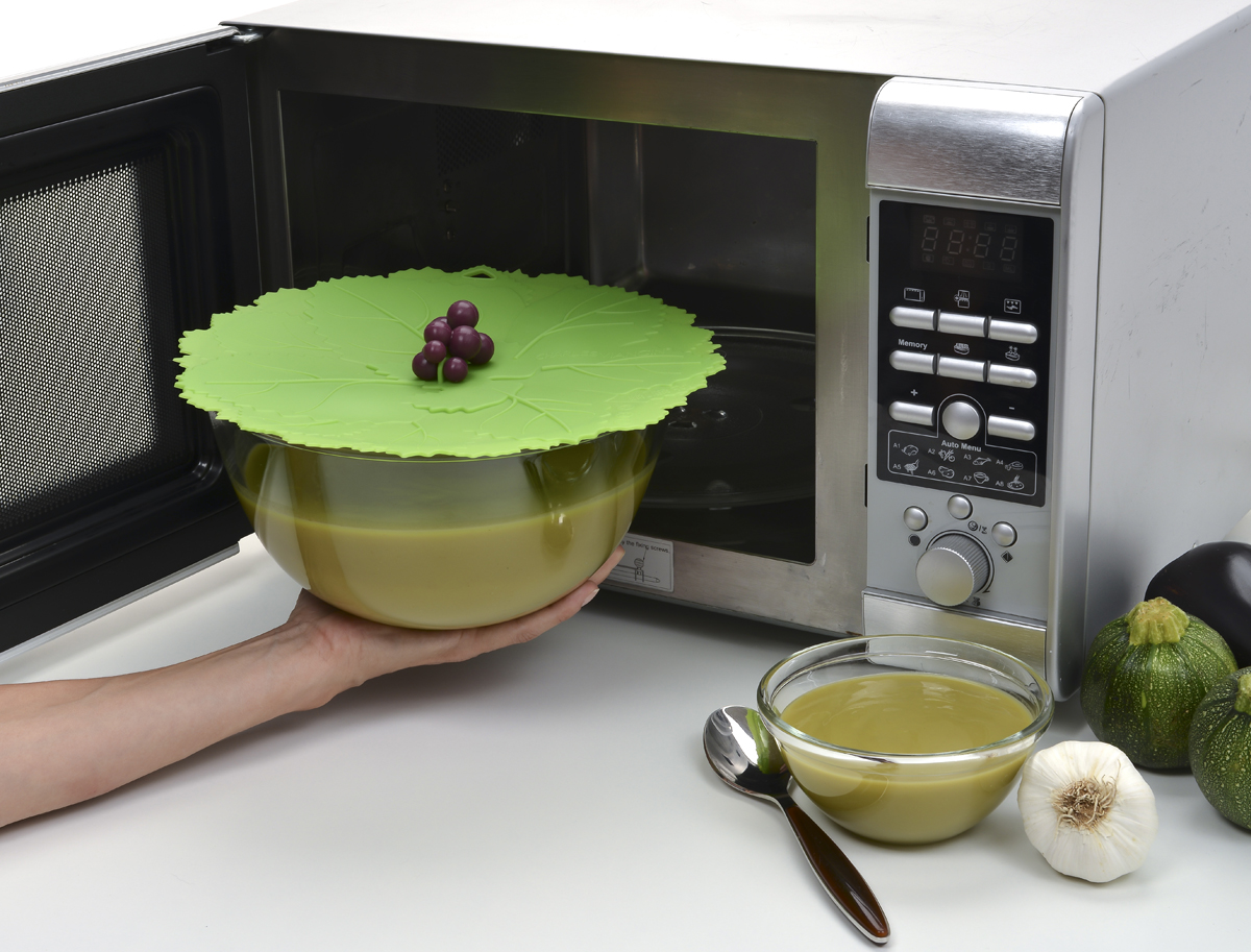 Крышка Charles Viancin Grape. Диаметр 20 см5203Крышка герметична, привлекательна по дизайну и функциональна. Ее можно использовать в процессе приготовления пищи на плите, в микроволновой печи и в духовом шкафу. Подходит для посудомоечной машины. Можно использовать в холодильнике. Закроет любую емкость с гладкими ободом.