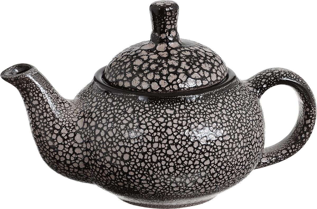 """Чайник заварочный Борисовская керамика """"Кроха"""" выполнен из высококачественной керамики. Чайник лаконичной формы с коротким носиком и практичной ручкой. Крышка дополнена удобным держателем. У изделия гладкая поверхность. Чайник для двоих с дальнейшими романтическими приключениями! Несмотря на небольшой объем может соединить сердца. Также идеально подойдет для любителей чая."""