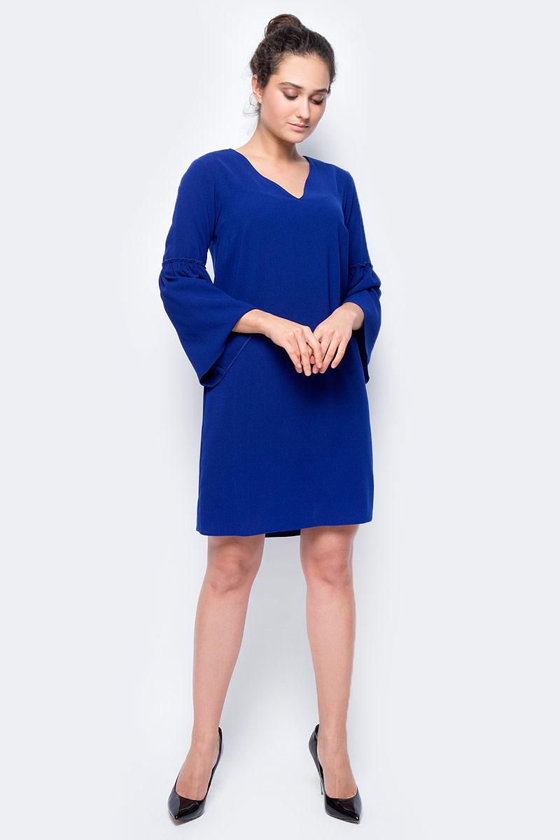 Платье женское adL, цвет: синий. 12432072000_003. Размер M (44/46)12432072000_003Стильное платье свободного покроя выполнено из полиэстера. Модель с рукавами 3/4 и V-образным вырезом горловины отлично дополнит ваш гардероб.