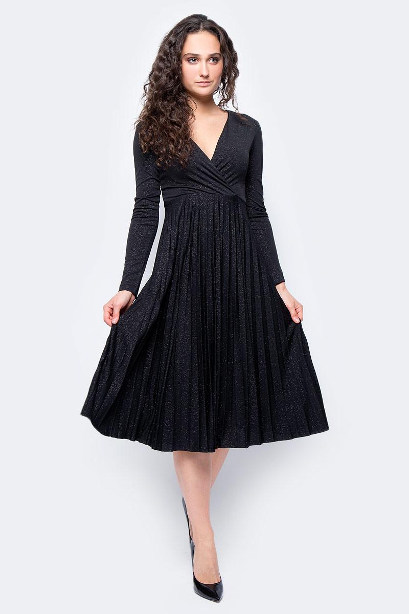 Платье женское adL, цвет: черный. 12429824002_001. Размер XS (40/42)12429824002_001Стильное платье длины ниже колен выполнено из 100% полиэстера. Модель с длинными рукавами и V-образным вырезом горловины отлично дополнит ваш гардероб. Платье на спинке имеет застежку-молнию.