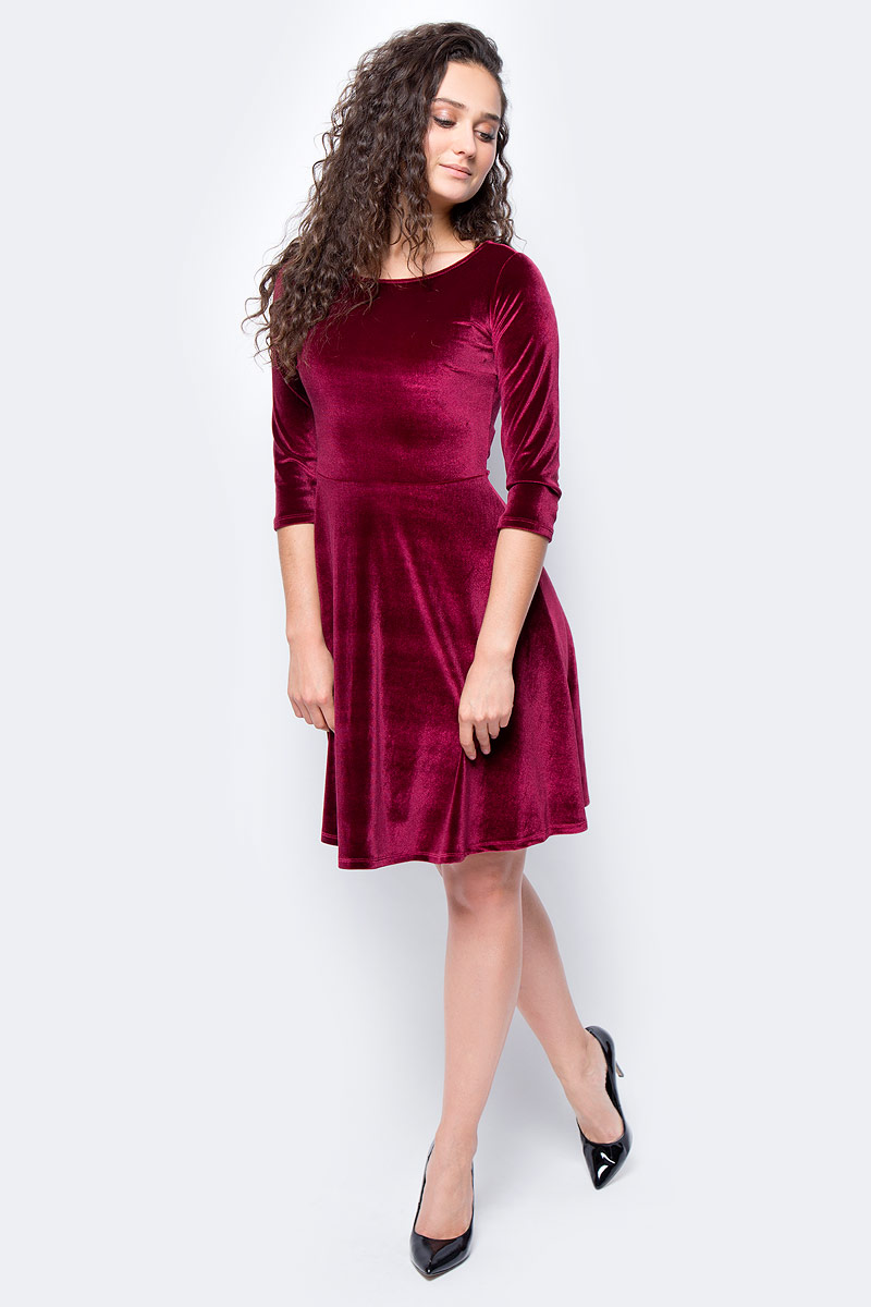 Платье женское adL, цвет: бордовый. 12433081000_012. Размер S (42/44)12433081000_012Стильное приталенное платье выполнено из эластичного полиэстера. Модель с рукавами 3/4 и круглым вырезом горловины отлично дополнит ваш гардероб.