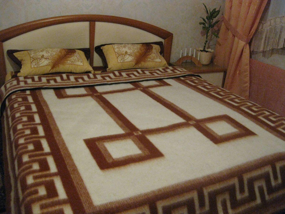 Одеяло Vladi Греция, цвет: белый, терракотовый, 170 х 210 см00507Одеяло шерстяное жаккардовое 65% шерсти, 10% х/б, 25% п/э
