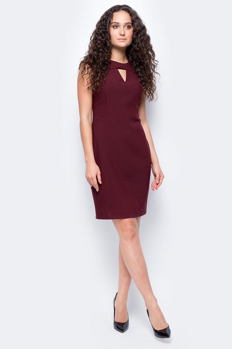 Платье женское adL, цвет: бордовый. 12432195000_012. Размер XS (40/42)12432195000_012Стильное приталенное платье выполнено из эластичного комбинированного материала. Модель без рукавов с фигурным вырезом горловины отлично дополнит ваш гардероб.