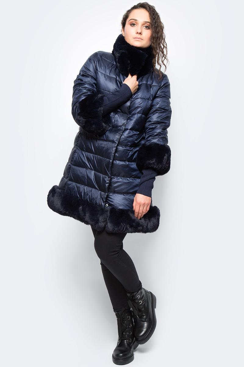 Куртка женская adL, цвет: темно-синий. 15232184001_018. Размер XS (40/42)15232184001_018Утепленная куртка adL выполнена из 100% полиэстера на утеплителе из синтепона. Модель с рукавами ? и воротником стойкой дополнена меховой отделкой. Рукава оснащены внутренними эластичными манжетами. Куртка застегивается на молнию с ветрозащитной планкой на кнопках.