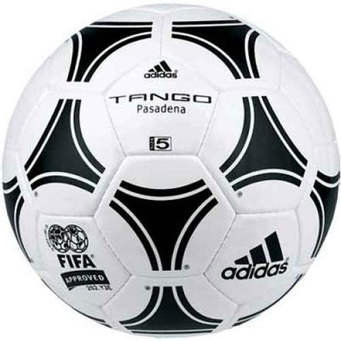Мяч футбольный Adidas Tango Pasadena, цвет: белый, черный. Размер 5656940Самый известный мяч Adidas! Профессиолнальный футбольный мяч ADIDAS Tango Pasadena (656940) – первая модель из серии «Tango» была представлена в 1978 году в Аргентине на Чемпионате мира. Используется классическая расцветка с «триадами» которые создавали оптический эффект. Мяч получился очень популярным и привенялся в следующих 5–ти Чемпионатах Мира. Современная модель мяча Adidas Tango Pasadena отличается от старой не только более современными материалами, но самыми новаторскими технологиями изготовления. В модели используются полиуретановые панели, 3 подкладочных слоя и латексная камера. Панели сшиты вручную в Пакистане. Все модели мячей Танго очень прочные и обладают хорошими игровыми свойствами.