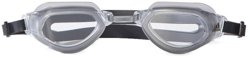 Очки для плавания Adidas Persistar Fit, цвет: серый, черный. BR1065BR1065Плавательные очки с широким углом обзора, который позволяет видеть все, что происходит на твоей дорожке. Регулируемые носовая перегородка и двойной ремешок для индивидуальной посадки.Удобная посадка.Материал: 100 % литой поликарбонат.