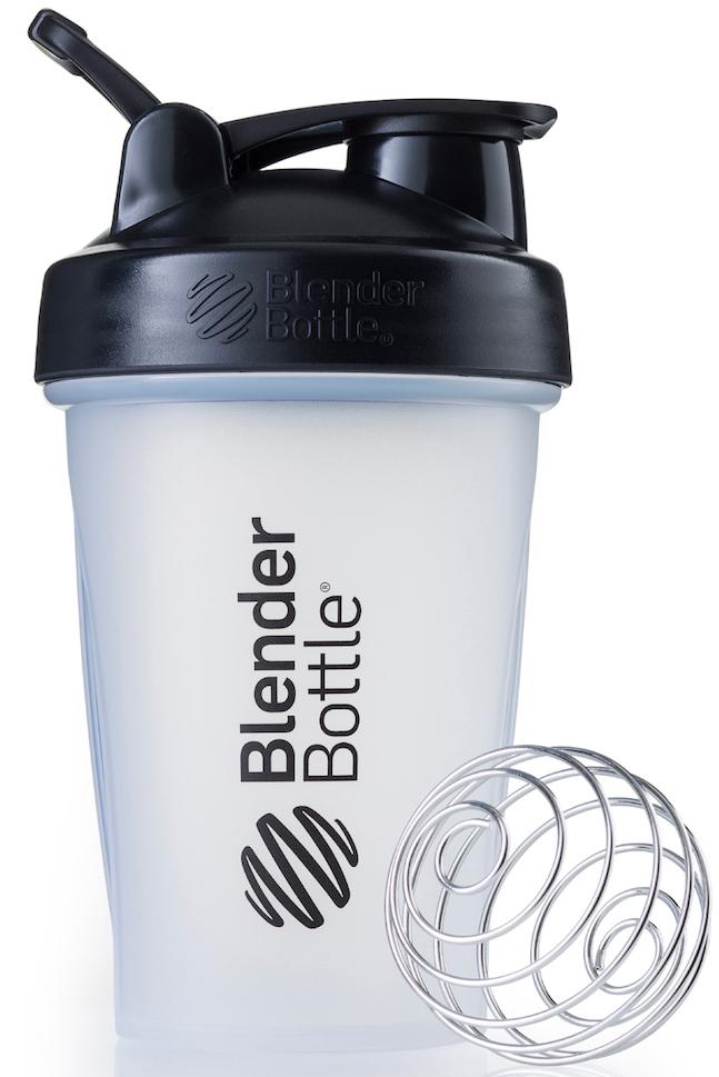 Шейкер спортивный BlenderBottle Classic, цвет: черный, прозрачный, 591 млBB-CL20-CBLKШейкер Classiсот компанииBlender Bottle- многофункциональный, удобный шейкер, который произвел революцию на рынке благодаря своим лидирующим качествам, а именно: 100% герметичности, концептуальному дизайну, максимальной смешиваемости ингредиентов и запатентованным опциям BlenderBall и StayOpen.Шарик-венчик BlenderBall- венчик из 316-хирургической нержавеющей стали, который не подвержен коррозии, легко моется и обеспечивает максимальную смешиваемость любых ингредиентов. ТехнологияStayOpen- инновационная функция шейкера, которая не позволяет крышке закрываться во время питья, что зачастую приносит неудобство и дискомфорт.Качественные материалы не содержат бисфенол (BPA, BPS и другие) и фталаты, благодаря чему шейкер абсолютно безопасен для здоровья. Шейкер герметично закрывается и не допускает протекания при переноске в сумке. Шейкер BlenderBottle Classic идеально подходит как для приготовления любых спортивных и фитнес коктейлей (протеинов, гейнеров, изотоников), так и разнообразных блюд дома.Особенности:- 100% герметичная конструкция- С круглым BlenderBall венчиком внутри- Маркирован тиснением на пластике в миллилитрах и унциях- Широкое горло позволяет легко добавлять ингредиенты- Крышка с резьбой - попадание в резьбу с первого раза- Система StayOpen flip cap - крышка не бьет по носу!- GripperBars - специальные ребра на бутылке, не выскальзывает из рук- Удобный широкий носик - приятно пить.- Можно мыть в посудомоечной машине- Подходит для большинства автомобильных подстаканников- Не содержит бисфенол и фталаты - лучший пластик, как у дорогих детских бутылочек- Защищен патентами США. Простой. Мощный.Самый продаваемый шейкер в Мире.Как повысить эффективность тренировок с помощью спортивного питания? Статья OZON Гид