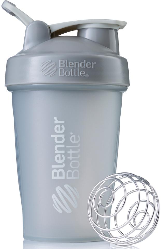 Шейкер спортивный BlenderBottle Classic Full Color, цвет: серый, 591 млBB-CL20-FPGRШейкер Classiсот компанииBlender Bottle- многофункциональный, удобный шейкер, который произвел революцию на рынке благодаря своим лидирующим качествам, а именно: 100% герметичности, концептуальному дизайну, максимальной смешиваемости ингредиентов и запатентованным опциям BlenderBall и StayOpen.Шарик-венчик BlenderBall- венчик из 316-хирургической нержавеющей стали, который не подвержен коррозии, легко моется и обеспечивает максимальную смешиваемость любых ингредиентов. ТехнологияStayOpen- инновационная функция шейкера, которая не позволяет крышке закрываться во время питья, что зачастую приносит неудобство и дискомфорт.Качественные материалы не содержат бисфенол (BPA, BPS и другие) и фталаты, благодаря чему шейкер абсолютно безопасен для здоровья. Шейкер герметично закрывается и не допускает протекания при переноске в сумке. Шейкер BlenderBottle Classic идеально подходит как для приготовления любых спортивных и фитнес коктейлей (протеинов, гейнеров, изотоников), так и разнообразных блюд дома.Особенности:- 100% герметичная конструкция- С круглым BlenderBall венчиком внутри- Маркирован тиснением на пластике в миллилитрах и унциях- Широкое горло позволяет легко добавлять ингредиенты- Крышка с резьбой - попадание в резьбу с первого раза- Система StayOpen flip cap - крышка не бьет по носу!- GripperBars - специальные ребра на бутылке, не выскальзывает из рук- Удобный широкий носик - приятно пить.- Можно мыть в посудомоечной машине- Подходит для большинства автомобильных подстаканников- Не содержит бисфенол и фталаты - лучший пластик, как у дорогих детских бутылочек- Защищен патентами США. Простой. Мощный.Самый продаваемый шейкер в мире.