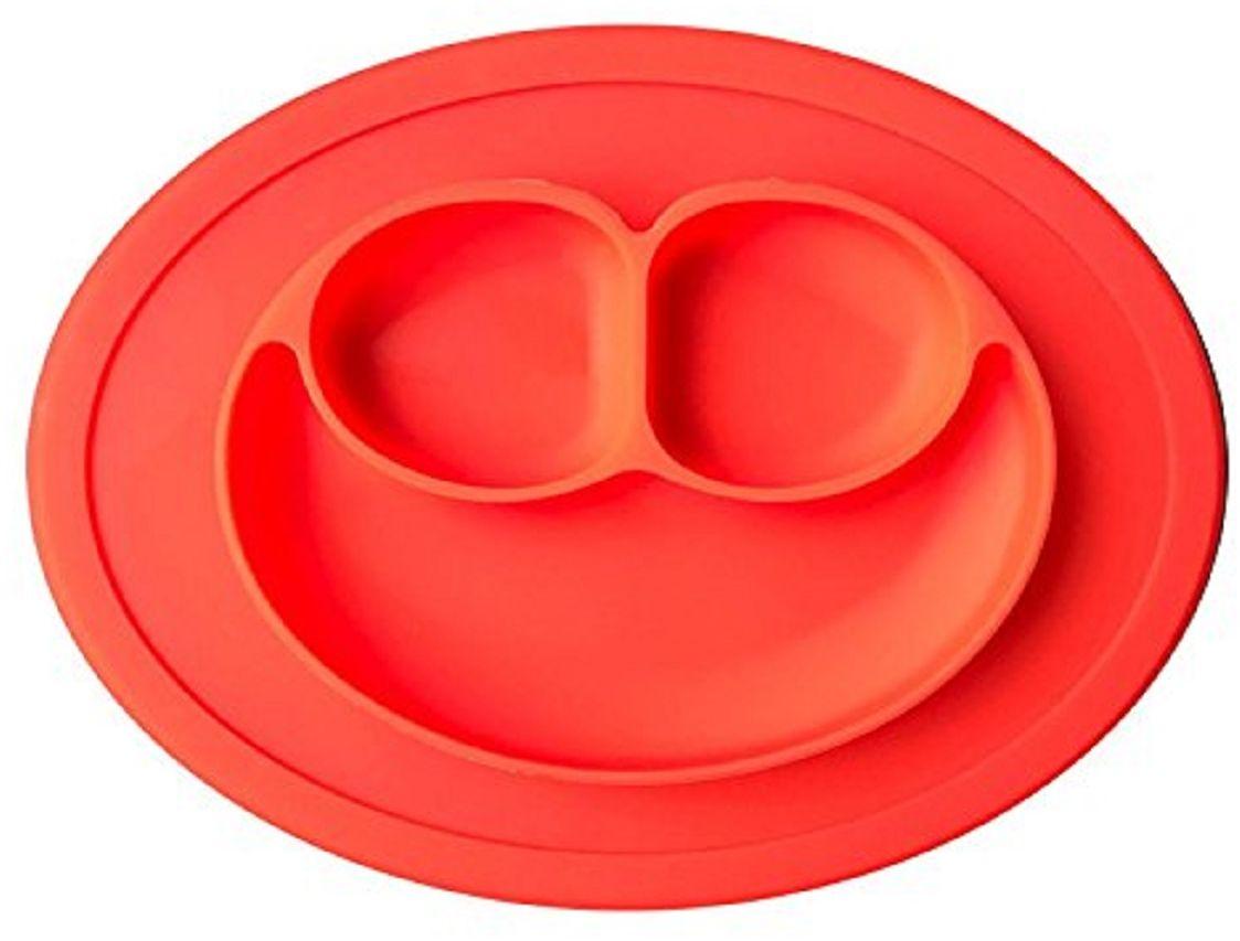Тарелка FidgetGo Улыбка, цвет: красный, диаметр 17,5 см2212345678147Уникальная новинка, не имеющая аналогов на Российском рынке представляет собой тяжеленькую силиконовую поверхность с тарелкой.Тарелка благодаря силиконовому дну прилипает к столу и другим равномерным поверхностям, предотвращая беспорядок на кухне. Недоеденная еда так и останется на тарелке или пространстве вокруг нее, не испачкав стол и кухню. Перевернуть тарелку также невозможно, что действительно помогает экономить мамин труд.Детская посуда изготовлена из качественного пищевого силикона, абсолютно гипоаллергенного и безопасного. Еще одной приятной особенностью силиконовых тарелок для детей является то, что их можно мыть в посудомоечной машинке, разогревать в микроволновой печи, что обычно не предусмотрено при использовании других детских тарелочек.Весёлая форма тарелки поднимет настроение вашему ребенку.