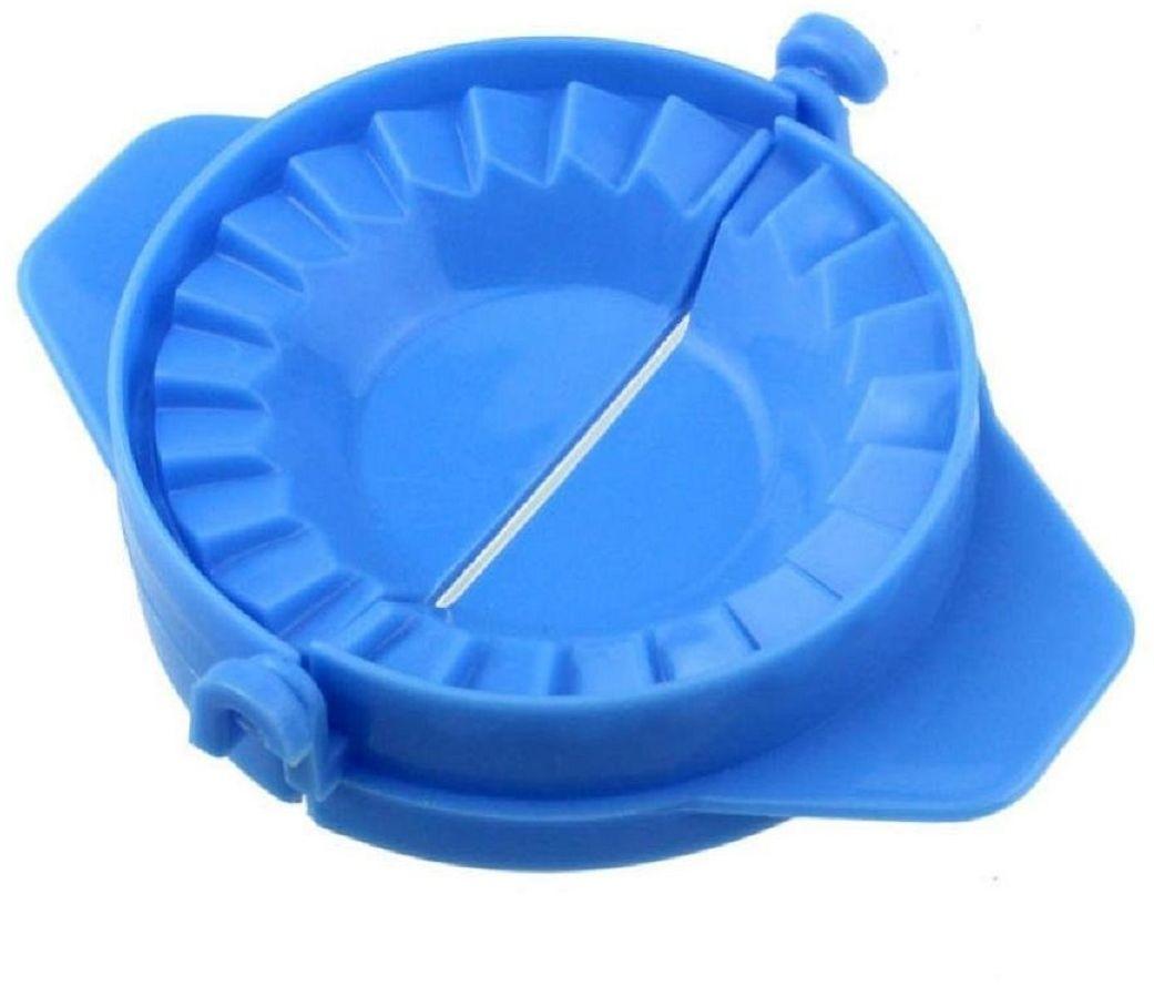 Форма для приготовления вареников FidgetGo, цвет: голубой2212345678175Многие хозяйки знают: для приготовления вкусных пельменей, вареников нужно много времени. Причем большая часть времени уходит именно на лепку. Приспособление для изготовления вареников решает эту проблему навсегда.Приспособление для изготовления пельменей, вареников и мантов, обладает невероятной прочностью. В производстве прибора использована качественная пластмасса, которая не подвержена деформации.для того, чтобы вареники и чебуреки получились красивыми, ровными и одинаковыми, нужно только положить тесто с начинкой в приспособление и закрыть его. Любая хозяйка сможет по достоинству оценить удобство в использовании прибора. Все изделия будут иметь аккуратный ровный или узорчатый край. Гости и близкие будут в восторге от такого эстетичного и вкусного блюда.Благодаря этому изобретению лепка аппетитных вареников, пельменей и чебуреков будет в радость каждой женщине.
