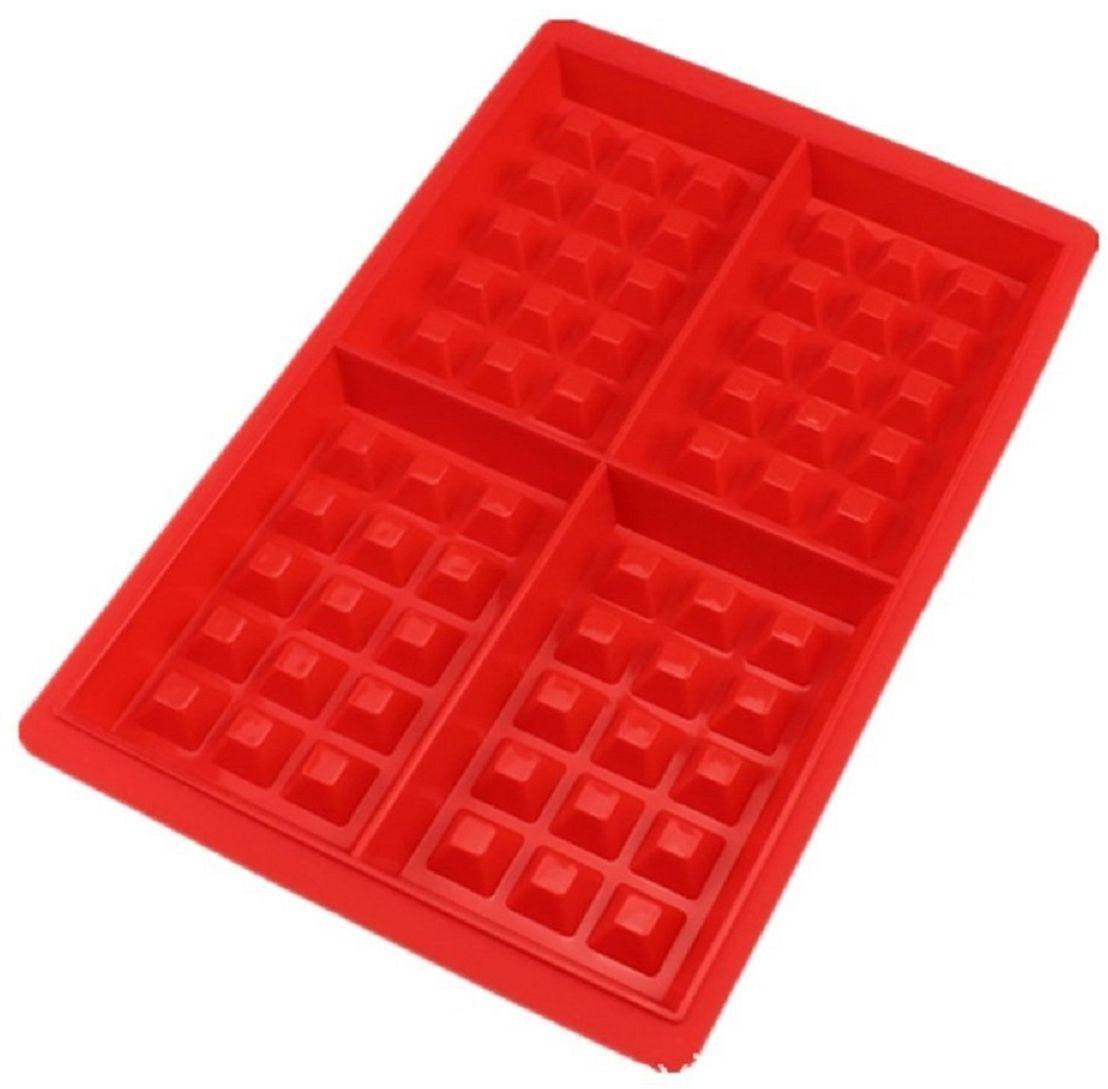 Силиконовая форма для вафель подарит вам 4 аппетитных вафли, которые   сохраняют свою форму. Сделайте вафельное тесто и украсьте вафли по-  своему. Они могут быть как сладкими, так и заменить тост для завтрака. Эта силиконовая форма спроектирована и изготовлена с учетом горячих и   холодных обработок, она может хорошо противостоять низкой и высокой   температуре от -40°С до +230°С. Независимо от того, какие способы   приготовления вы используете для нее, силикон не проявит ни малейшего   признака износа. Она безопасна для морозильной камеры, духовки,   микроволновой печи и посудомоечной машины. Эту силиконовую форму   очень легко наполнить вашими выбранными ингредиентами. Не требуется   масло для предотвращения прилипания.   Как выбрать форму для выпечки – статья на OZON Гид.