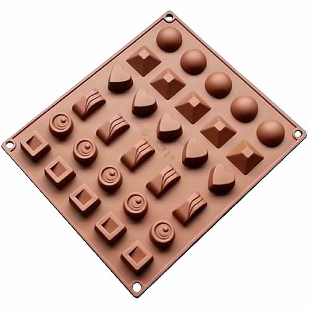 Форма для льда и конфет FidgetGo Ассорти, цвет: коричневый, 17 х 23 см, 30 ячеек2212345678915Создавайте восхитительное угощение и десерт, как для детей, так и для взрослых! Вы можете использовать желе, шоколад, мороженое, фруктовый сок или что-нибудь еще, что вы можете себе представить! Эти формы для конфет спроектированы и изготовлены с учетом горячих и холодных обработок, они могут хорошо противостоять низкой и высокой температуре от -40 до +230°С. Независимо от того, какие способы приготовления вы используете для них, силикон не проявит ни малейшего признака износа. Они безопасны для морозильной камеры, духовки, микроволновой печи и посудомоечной машины.Надежные качественные материалы: когда речь заходит о наших силиконовых формах и других кухонных принадлежностях, мы гарантируем использование нетоксичных, не содержащих BPA материалов, а также самых современных производственных процессов и строгий контроль качества. Таким образом, мы знаем, что они будут соответствовать высоким стандартам и ожиданиям наших клиентов.