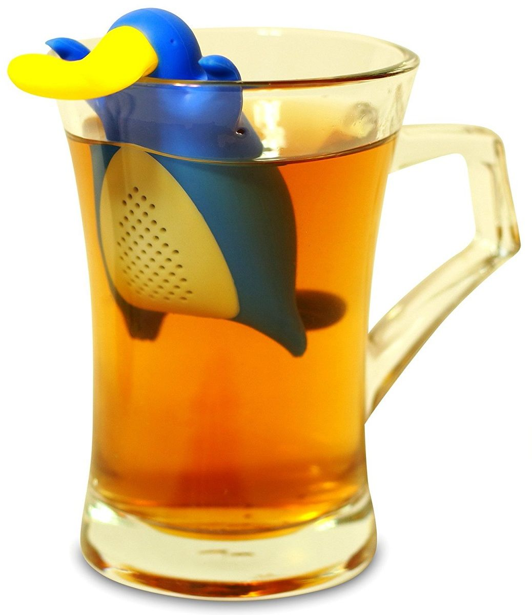 Ситечко для чая FidgetGo Утконос, цвет: синий2212345678921Это именно то, что нужно для холодных дней - заварник для чая в виде очаровательного Утконоса. Просто засыпьте чай внутрь, налейте кипятка в чашку и опустите заварник. Через пару минут у вас будет готов ароматный и вкусный чай. Теперь вам не нужны большие заварочные чайники. Очаровательный Утконос подарит вам чудесное настроение в любую погоду. изготовлен из термоустойчивого пищевого силикона.