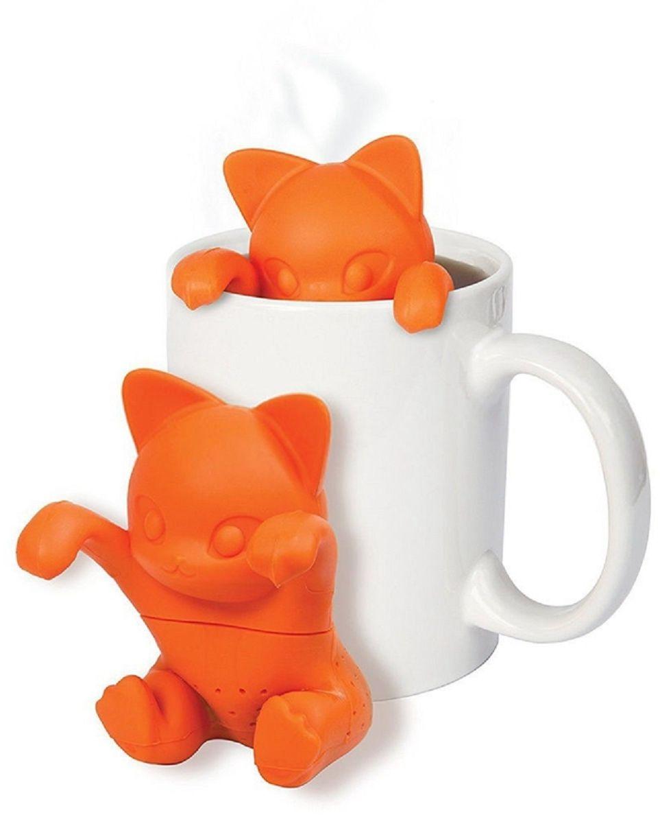 Ситечко для чая FidgetGo Котенок, цвет: оранжевый2212345678923Это именно то, что нужно для холодных дней - заварник для чая в видеочаровательного котенка. Просто засыпьте чай внутрь, налейте кипятка вчашку, опустите заварник и через пару минут у вас будет готов ароматный ивкусный чай. Теперь вам не нужны большие заварочные чайники. Милый котенокподарит вам чудесное настроение в любую погоду и пускай весь мир подождет.