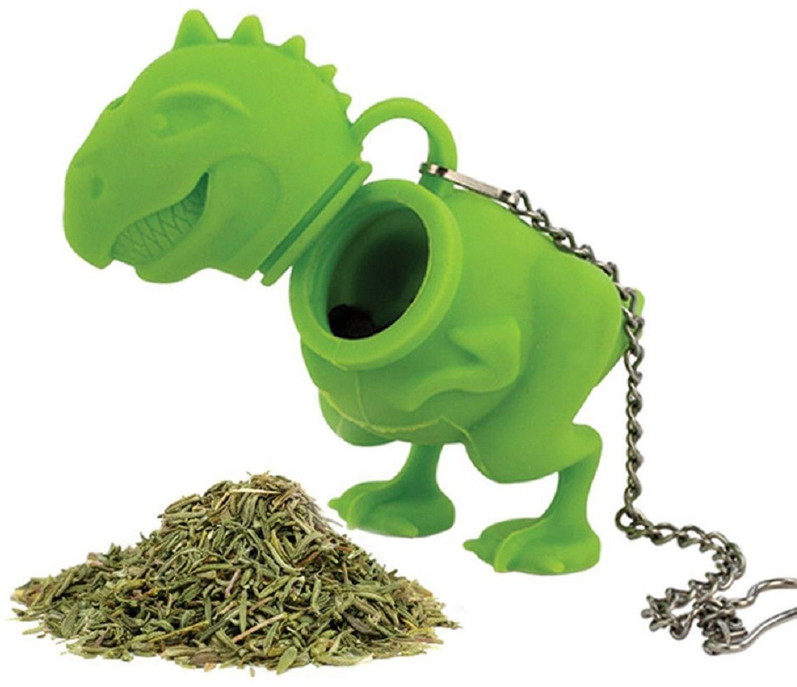 Ситечко для чая FidgetGo Грозный Динозавр, цвет: зеленый2212345678927Это именно то, что нужно для холодных дней - заварник для чая в виде грозногодинозавра. Просто засыпьте чай внутрь, налейте кипяток в чашку, опуститезаварник и через пару минут у вас будет готов ароматный и вкусный чай. Теперьвам не нужно использовать большие заварочные чайники и готовить чай литрами.Очаровательный динозавр подарит вам чудесное настроение в любую погоду. Легко моется. Безопасный и прочный.