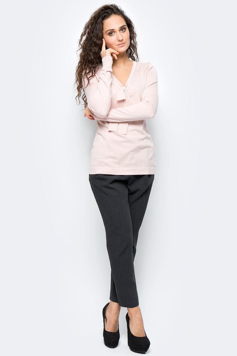 Джемпер женский adL, цвет: светло-розовый. 13932099001_026. Размер S (42/44)13932099001_026Лаконичный женский джемпер adL выполнен из эластичной вискозы. Модель с длинными рукавами и V-образным вырезом горловины на груди оформлена бантом. Такой джемпер - прекрасный вариант на каждый день. Он позволит вам создать множество стильных комплектов.