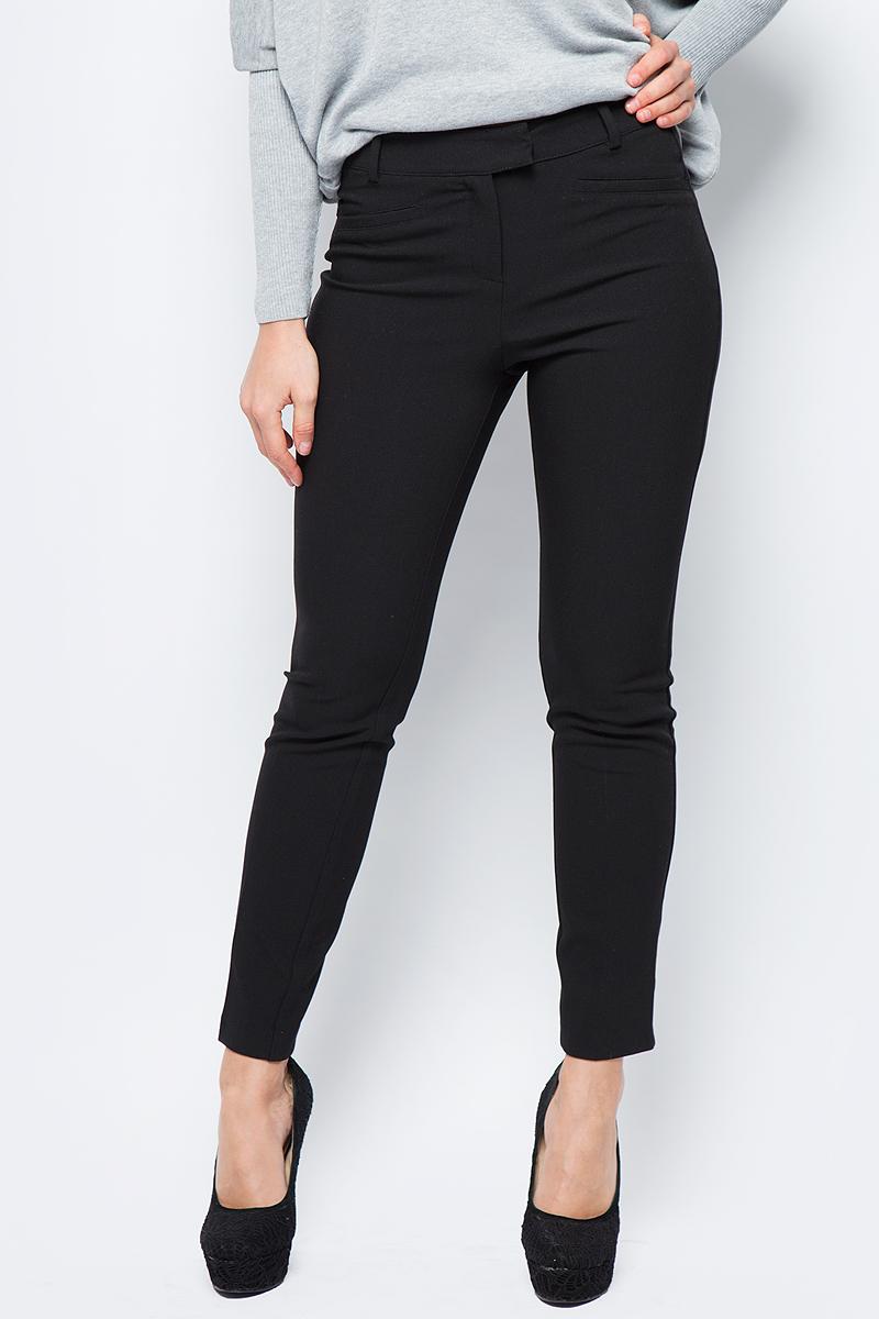 Брюки женские adL, цвет: черный. 15332330000_001. Размер XS (40/42)15332330000_001Стильные женские брюки adL - это изделие высочайшего качества, которое превосходно сидит и подчеркнет все достоинства вашей фигуры. Брюки стандартной посадки выполнены из полиэстера с добавлением вискозы и эластана, что обеспечивает комфорт и удобство при носке. Изделие оформлено застегивается на крючки в поясе и ширинку на молнии. На талии предусмотрены шлевки для ремня. Брюки дополнены прорезными кармашками. Эти модные и в то же время комфортные брюки послужат отличным дополнением к вашему гардеробу и помогут создать неповторимый современный образ.