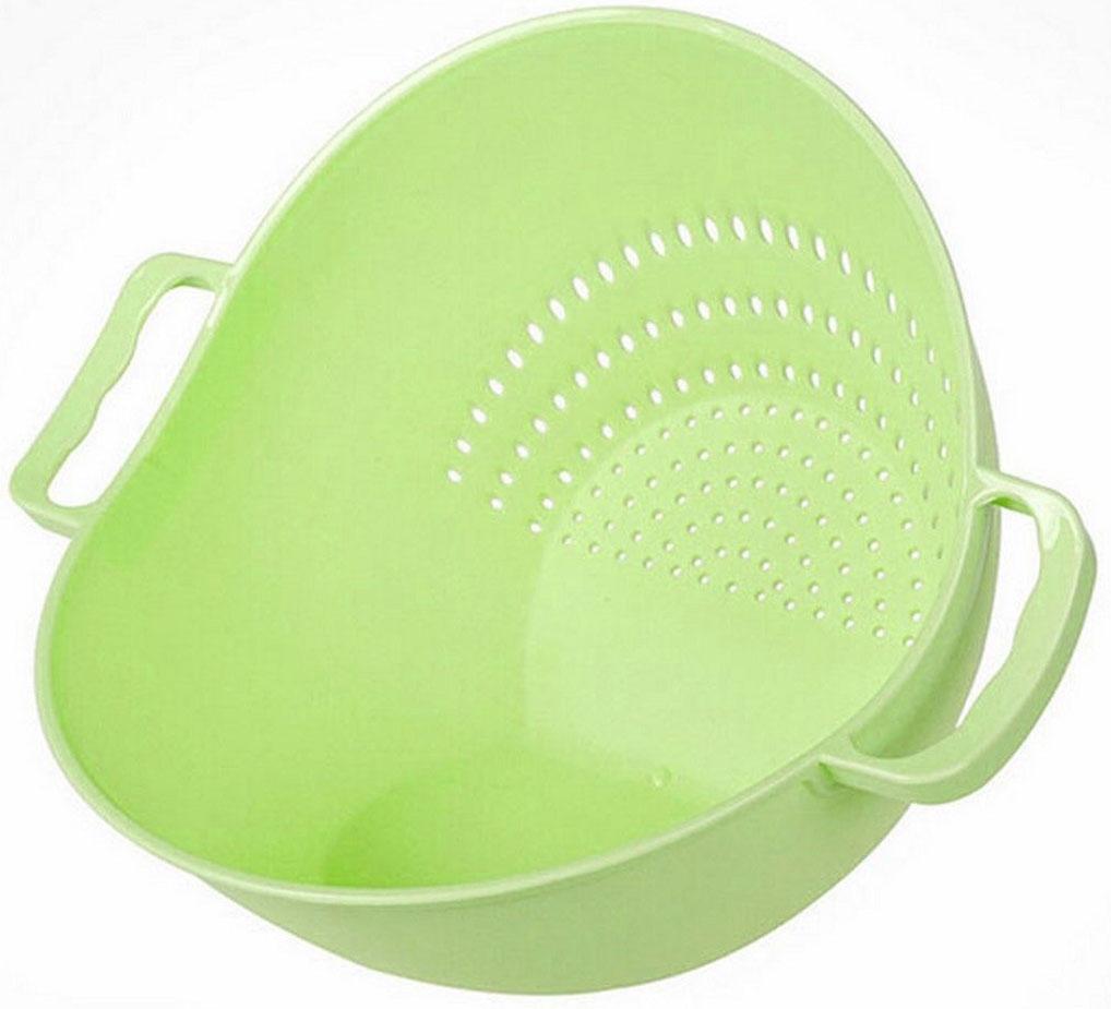 Дуршлаг-чаша Ruges Тусет, цвет: салатовый, 26 х 22 х 18 смK-58Миска дуршлаг Тусет - это необычная кухонная пластиковая емкость 2 в 1, у которой два дна. Ставите на одно – у вас вместительная миска для продуктов. Ставите на другое – у вас дуршлаг для промывания продуктов. Замысел прост и прекрасен: не надо перекладывать промытые продукты в другую посуду. Наклонили Тусет к ситу – промыли, наклонили в другую сторону – продукты в миске и можно продолжить их обработку. Размеры: 26 х 22 х 18 см.Объем: 2 л.Вес: 150 г.