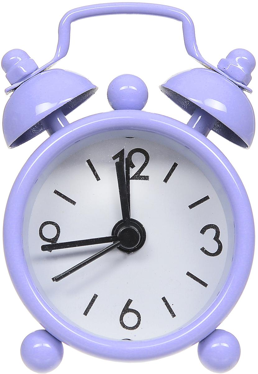 Часы-будильник Sima-land, цвет: сиреневый. 1103898110389_сиреневыйКак же сложно иногда вставать вовремя! Всегда так хочется поспать еще хотябы 5 минут ибывает,что мы просыпаем. Теперь этого не случится! Яркий, оригинальный будильникSima-landпоможет вам всегдавставать в нужное время и успевать везде и всюду. Будильник украсит вашукомнату иприведет в восхищение друзей. Эта уменьшенная версия привычногобудильника умещаетсяналадони и работает так же громко, как и привычные аналоги. Время показываетточно и будит вустановленный час.На задней панели будильника расположены переключательвключения/выключения механизма,атакже два колесика для настройки текущего времени и времени звонкабудильника. Будильник работает от 1 батарейки типа LR44 (входит в комплект).