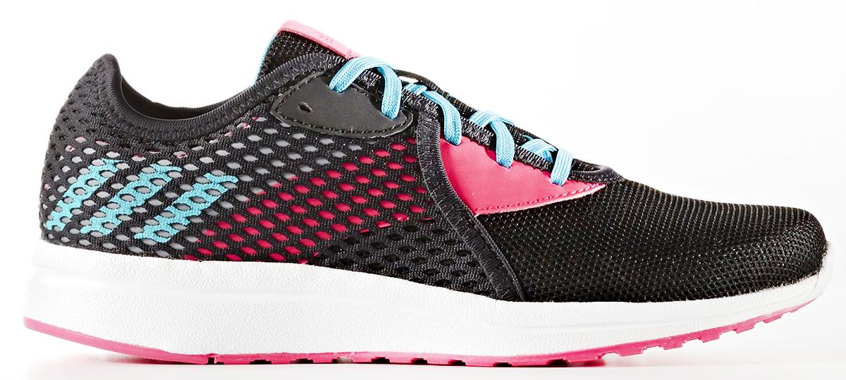 Кроссовки для девочки adidas Durama 2 K, цвет: черный, розовый. BA7413. Размер 35BA7413Кроссовки от Adidas придутся по душе вашему ребенку. Дышащий верх из прочного синтетического материала дополнен накладкой из крупной сетки и гарантирует свободную воздухопроводимость. Классическая шнуровка надежно зафиксирует изделие на ноге. Промежуточная вставка CloudFoam поглощает ударную нагрузку. Уникальная антибактериальная стелька EcoOrthoLite® способствует невесомой амортизации и предотвращает появление неприятных запахов после длительной пробежки или прогулки. Легкая подошва с износостойкой подметкой с цепким вафельным узором для сцепления с любыми поверхностями. Стильные кроссовки займут достойное место в гардеробе вашего ребенка.