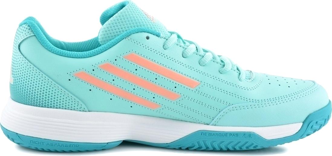 Кроссовки для девочки adidas Sonic Attack K, цвет: бирюзовый. BY9974. Размер 34BY9974Теннисные кроссовки Adidas для юных спортсменов, не останавливающихся на достигнутом. Промежуточная подошва из ЭВА обеспечивает мягкую амортизацию. Верх из искусственной кожи обладает необходимой прочностью, способной выдержать часы тренировок. Дышащая амортизирующая стелька EcoOrthoLite® из экологически чистых материалов препятствует распространению бактерий, вызывающих запах, благодаря специальному составу. Легкая промежуточная подошва из ЭВА сохраняет свои амортизационные свойства в течение долгого времени. Стильные кроссовки займут достойное место в гардеробе вашего ребенка.