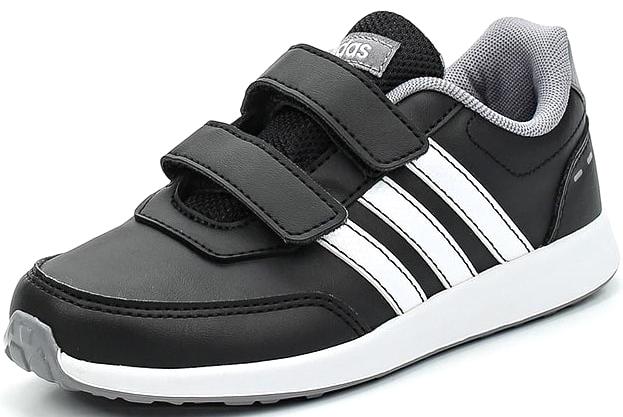 Кроссовки для мальчика adidas VS Switch 2 CMF C, цвет: черный. BC0100. Размер 34BC0100Кроссовки от Adidas для юных спортсменов, выполнены в нежных цветах. Застежки— липучки для быстрого и удобного одевания и снимания. Контрасная надпись Adidas сзади и на язычке. Гибкая, прочная подошва.