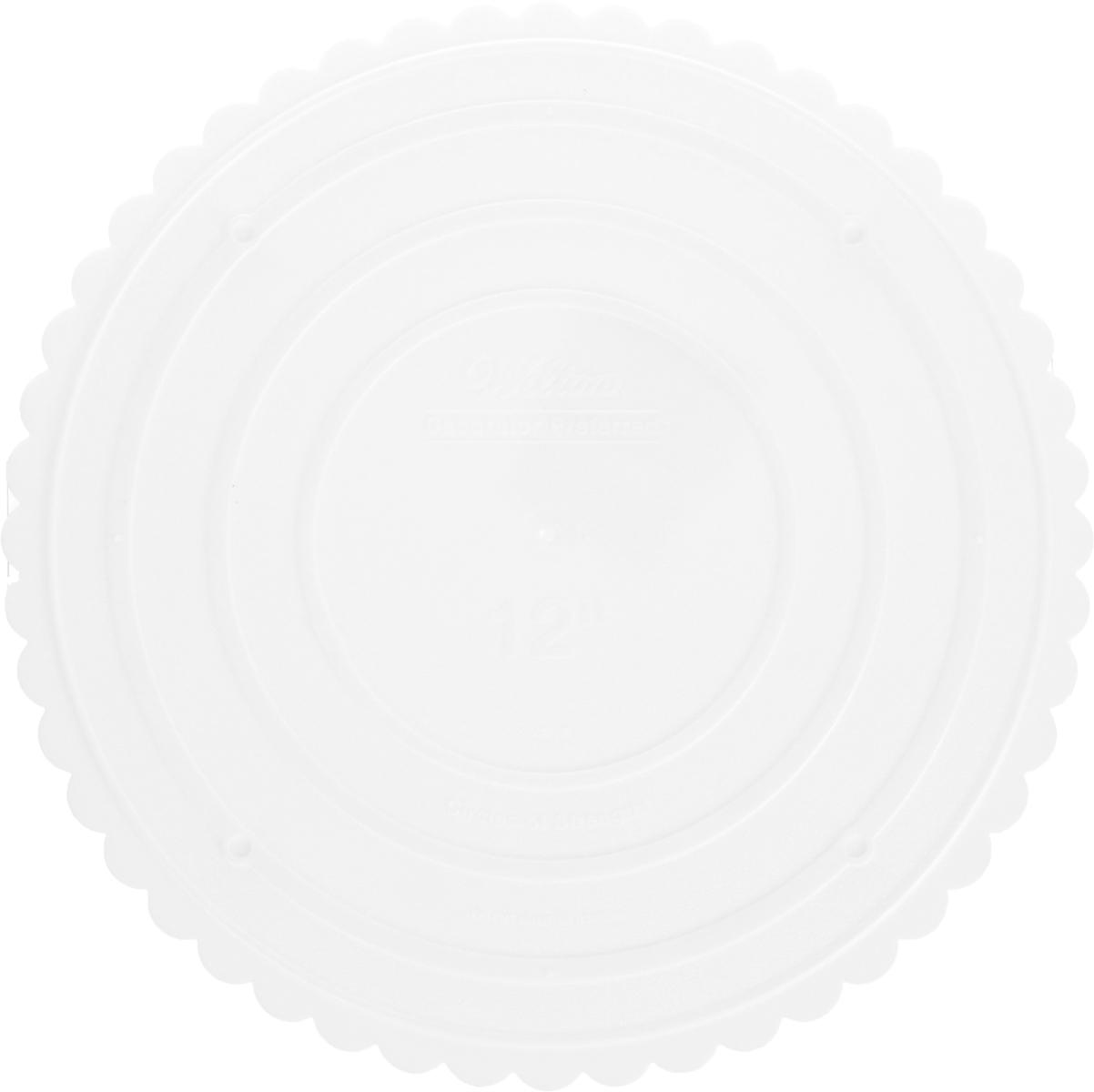 Тарелка для торта Wilton Выбор кондитера, круглая, диаметр 31 смWLT-302-12Такие круглые тарелки используются отдельно или для сборки многоуровневого торта. Надежная поддержка, гарантированное качество, красивые фестончатые края. Использовать с WLT-303-801, WLT-303-802, WLT-303-2322, WLT-399-801. Материал: пластик.Возрастная категория: 3+.