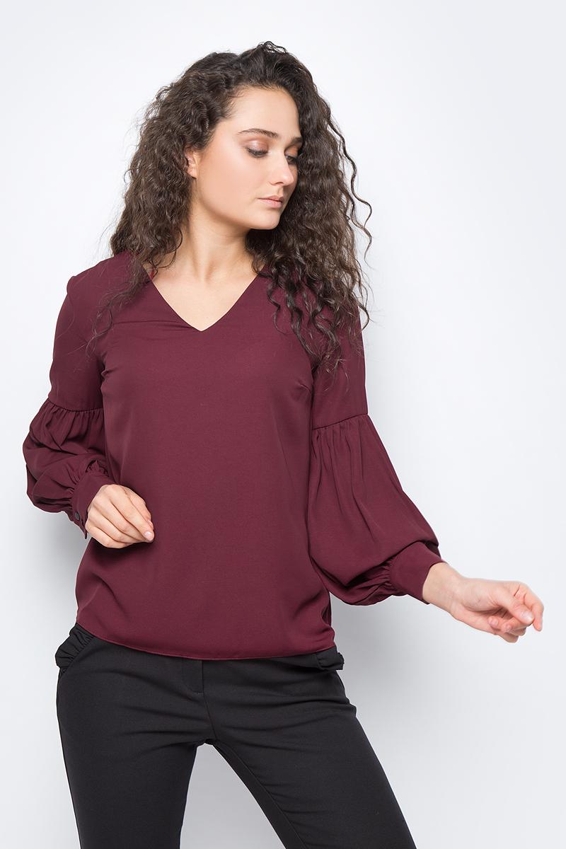 Блузка женская adL, цвет: бордовый. 11533109000_012. Размер XS (40/42)11533109000_012Лаконичная блузка adL выполнена из полиэстера. Модель свободного кроя с длинными объемными рукавами и V-образным вырезом горловины. Манжеты рукавов застегиваются на пуговицы. В такой блузке вы будете выглядеть стильно и элегантно.