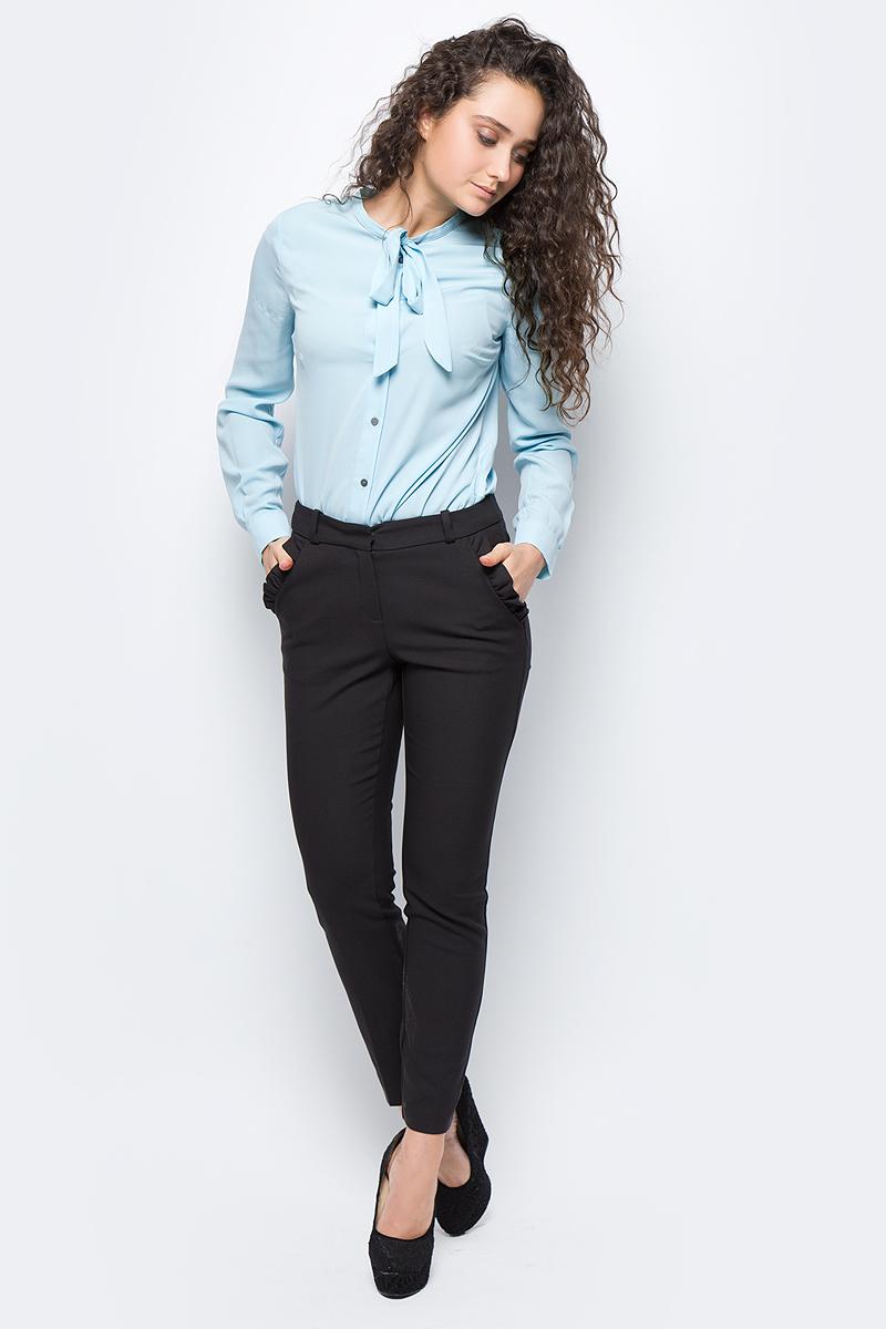 Брюки женские adL, цвет: черный. 15332165000_001. Размер S (42/44)15332165000_001Стильные женские брюки adL - это изделие высочайшего качества, которое превосходно сидит и подчеркнет все достоинства вашей фигуры. Брюки стандартной посадки выполнены из хлопка с добавлением полиэстера и эластана, что обеспечивает комфорт и удобство при носке. Модель дополнена двумя боковыми карманами с оборками, сзади - два прорезных кармана. На талии предусмотрены шлевки для ремня. Эти модные и в то же время комфортные брюки послужат отличным дополнением к вашему гардеробу и помогут создать неповторимый современный образ.