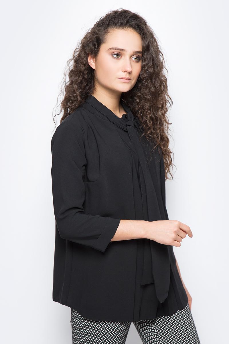 Блузка женская adL, цвет: черный. 11533259000_001. Размер XS (40/42)11533259000_001Стильная блузка adL выполнена из плотного полиэстера. Модель свободного кроя с рукавами длиной 3/4 и круглым вырезом горловины застегивается на пуговку. Горловина оформлена декоративными завязками, которые можно оформить в объемный бант или оставить распущенными, имитируя шарф. В такой блузке вы будете выглядеть эффектно и модно.