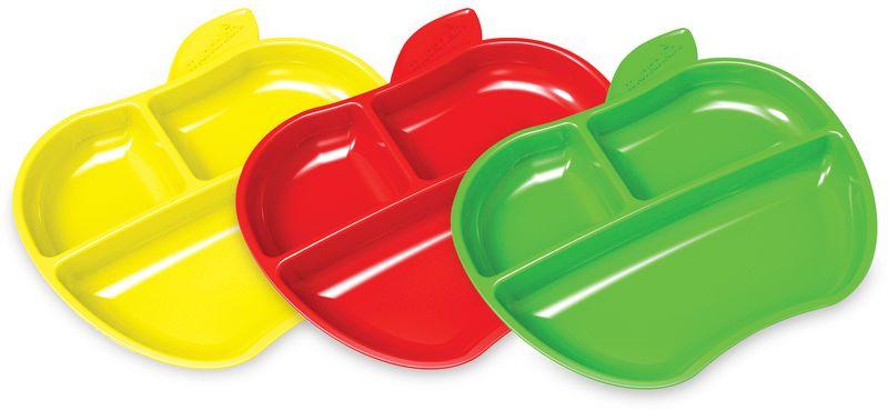 Munchkin Тарелка детская Яблоко от 6 месяцев 3 шт12102Набор тарелок Munchkin Яблоко Набор удобных тарелочек пригодится для приучения малыша к самостоятельному приему пищи. Компактные секции позволят еде не смешиваться, а невысокие бортики удобны для зачерпывания кусочков еды. - удобные для зачерпывания края созданы специально для малышей, начинающих кушать самостоятельно - идеально подойдут для обучения ребенка приему пищи для разнообразных продуктов - маленькие секции очень удобны для макания - не содержат Бисфенол-А