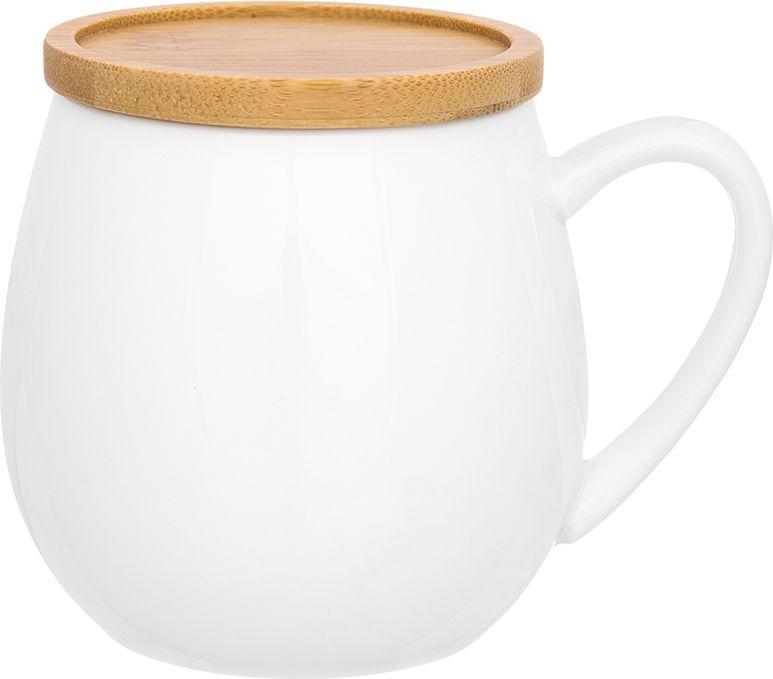 Кружка Elan Gallery Белые ночи, с крышкой-подставкой , 400 мл860048Необычная кружка с деревянной крышкой объемом 400 мл подходит для любых горячих и холодных напитков, чая, кофе, какао. Изделие имеет подарочную упаковку, поэтому станет желанным подарком для Ваших близких!