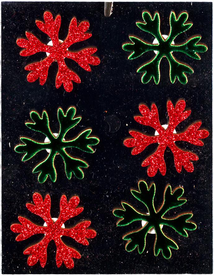 Набор новогодних украшений для интерьера Erich Krause Снежинки, на липучке, 4 см, 6 шт43850Набор состоит из шести снежинок яркого зеленого и красного цветов. Благодаря наличию клеевого фрагмента в форме окружности с тыльной стороны, изделия легко отлепляются от прозрачной подложки. Набор предназначен для творческих работ ребенка. С его помощью можно легко украсить открытки, подарки, а также оформить детский уголок, привнеся в него новогоднюю атмосферу. Снежинки покрыты сверкающими блестками. Новогодние украшения всегда несут в себе волшебство и красоту праздника. Создайте в своем доме атмосферу тепла, веселья и радости, украшая его всей семьей.