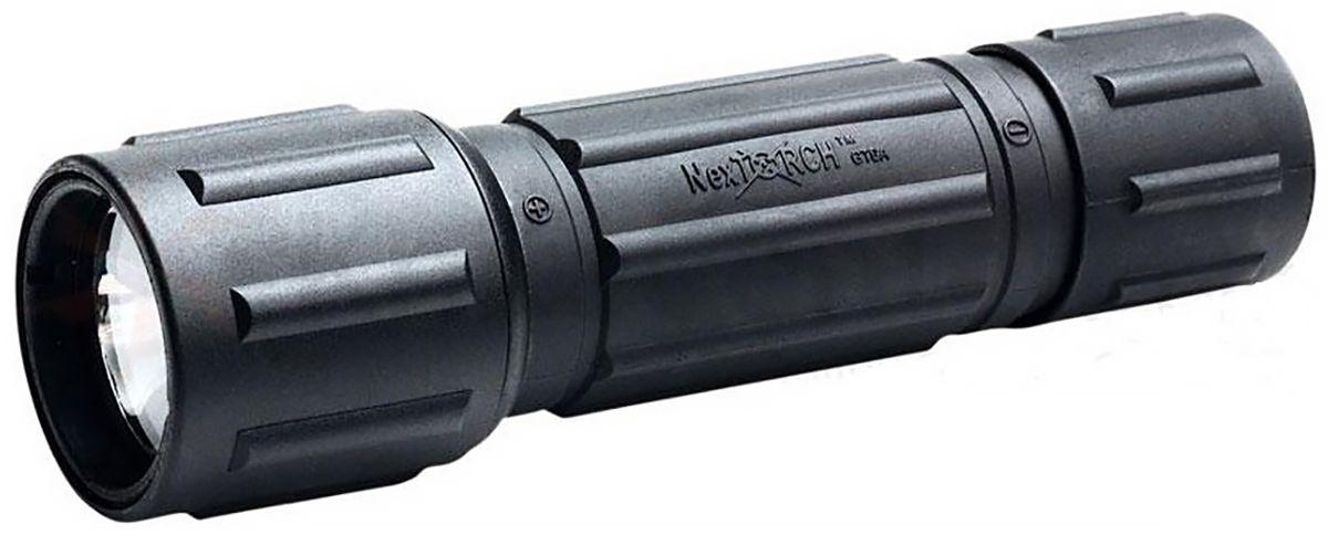 Фонарь ручной Nextorch GT6A-R, цвет: черныйGT6A-RФонарь аккумуляторный Nextorch GT6A-R, ксеноновый 60 люмен, зарядное устройство в комплекте.Фонарь GT6A-R относится к P Series (Полиция). Серия Р создана для применения в полиции. Это, как правило, компактные фонари с аккумуляторами и изготовлены они из более легкогоматериала. Чтобы удовлетворить растущий спрос рынка, Nextorch предоставляет наиболее полный спектр аксессуаров для фонарей. Фонарь GT6A-R - это легкий ксеноновый фонарь с обычной (не тактической) кнопкой включения используется в качестве обычного мощногофонаря. Он комплектуется блоком зарядки для аккумулятора и блоком подключения к сети с индикатором зарядки. Корпус фонаря изготовлен изпрочного нейлонового материала, что делает его очень легким. Фонарь крепится на все виды стрелкового или охотничьего оружия, легкий и компактный. Имеет стеклянную линзу объектива. Питание фонаря осуществляется от одного литиевого аккумулятора NT18650, который гарантирует до 70 минут непрерывной работы. Источникомсветового луча является ксеноновая лампа. Освещаемая ей дистанция достигает 140 метра. Режимы работы: фонарь может только включаться и выключаться нажатием кнопки на блоке хвостовика. Технические характеристики:Свет: ксеноновая лампа. Тип батареи: 1 х 18650 аккумулятор. Мощность светового потока: 60 люмен. Время работы: 70 мин. Дистанция: 140 м. Материал корпуса: прочный нейлоновый материал с анодированным покрытием. Материал линзы: стекло. Водонепроницаемость: до 1 м. Ударопрочность: до 1 м. Диаметр головы: 34 мм.Диаметр корпуса: 29 мм. Общая длина: 124 мм. Комплектация: фонарь, 1 х 18650 аккумулятор, блок зарядки для аккумулятора и блок подключения к сети с индикатором зарядки.Компания Nextorch уделяет особенное внимание производству инновационных переносных осветительных приборов. Применение самыхпередовых технологий освещения позволяет использовать максимально яркие источники света, достигая при этом невероятной эффективности иисключительной долговечности элемент