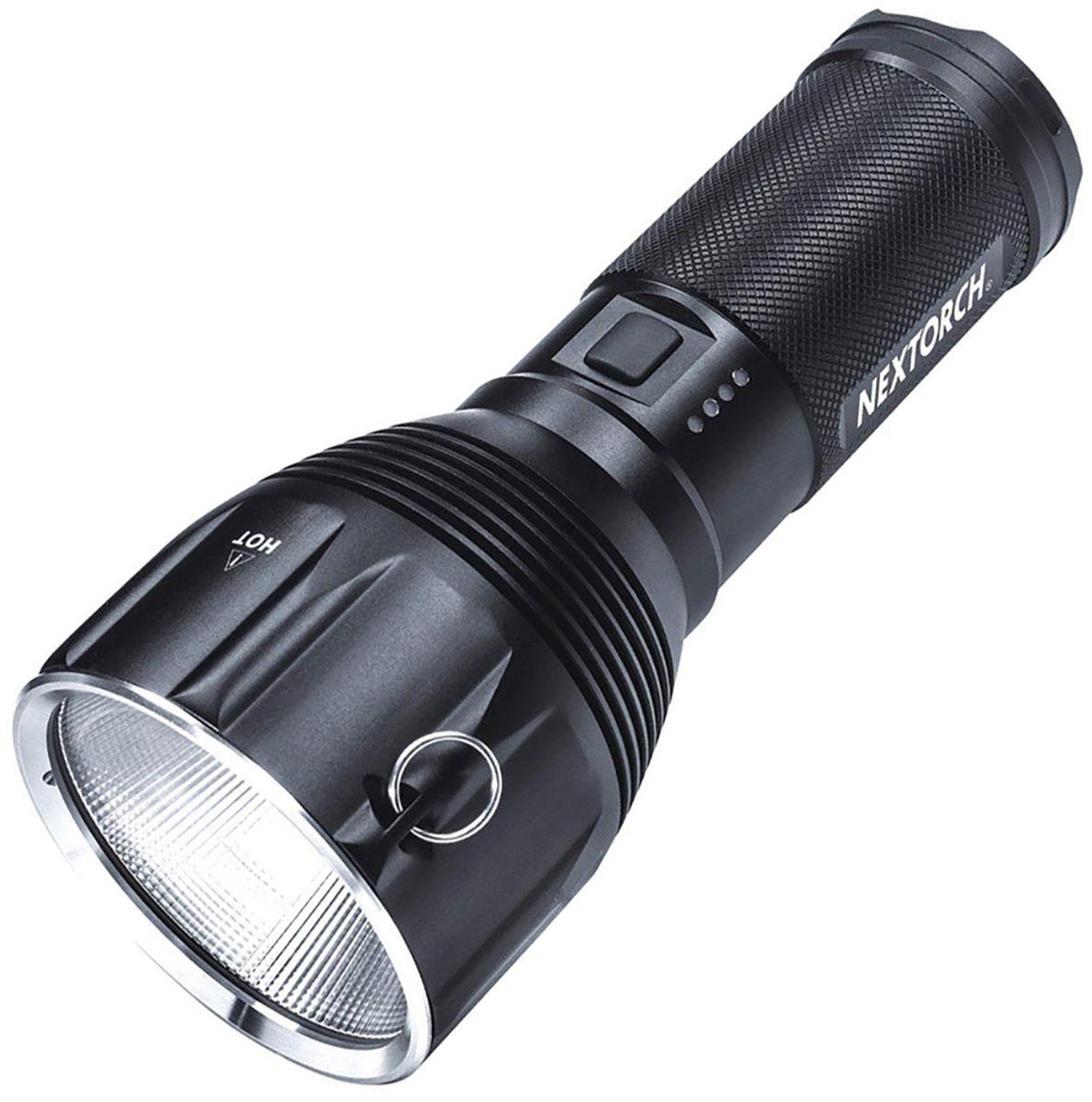 Фонарь ручной Nextorch Saint Torch 10, цвет: черныйSAINT TORCH 10Фонарь аккумуляторный Nextorch SAINT TORCH 10, 1 диод CREE XHP 70, 3200Lum, 7 режимов, аккумулятор 10400mAh и пластиковый боксSaint Torch 10 - это ультраяркий перезаряжаемый свет для поиска, используя один светодиод CREE XHP 70 для подачи мощности до 3200 люмен. Аккумуляторная батарея с высокой емкостью 10400 мАч поддерживает этот дополнительный инструмент с высокой выносливостью, обеспечивающий 120 часов света. Режимы работы:1. Быстрое включение/выключение (фонарь работает пока вы удерживаете кнопку и выключается, если вы перестаете ее нажимать, при нажатии до щелчка фонарь переходит в режим постоянного свечения и дальнейшего выбора режимов работы). 2. Полная яркость - 3200 люм. 3. Яркость - 1650 люм. 4. Яркость - 460 люм. 5. Яркость - 65 люм. 6. Стробоскоп. 7. SOS. Фонарь аккумуляторный SAINT TORCH 10, 1 диод CREE XHP 70, 3200LumПластиковый бокс в космплекте. Технические характеристики:Дальность света: 285 м. Количество режимов: 7Батарея: 1 x 10400mAh литий-ионный аккумулятор (в комплекте)Водонепроницаемость: до 1 метра (стандарт IPX-8) Ударопрочность: до 1 м Размер: 196 мм х 85 мм х 52 ммВес с упаковкой: 1856 гКомпания Nextorch уделяет особенное внимание производству инновационных переносных осветительных приборов. Применение самых передовых технологий освещения позволяет использовать максимально яркие источники света, достигая при этом невероятной эффективности и исключительной долговечности элементов питания. Использование материалов аэрокосмических технологий - алюминия марки 6061-T6 с жестким анодированным покрытием Mil-Spec III для корпуса и элементов управления, придает фонарям Nextorch прочность, легкость, долговечность и эргономичность.